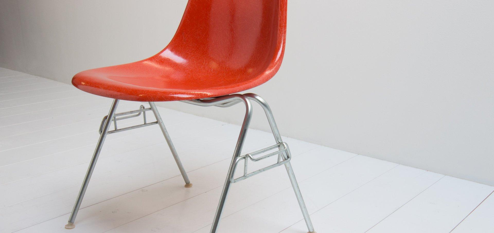 roter vintage dss stuhl von charles ray eames f r herman. Black Bedroom Furniture Sets. Home Design Ideas