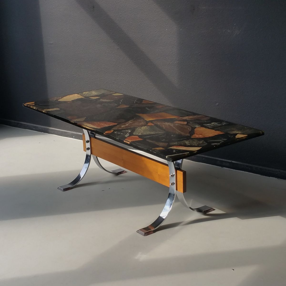 table resine epoxy interesting table basse fidji multipli et rsine u malherbe dition with table. Black Bedroom Furniture Sets. Home Design Ideas