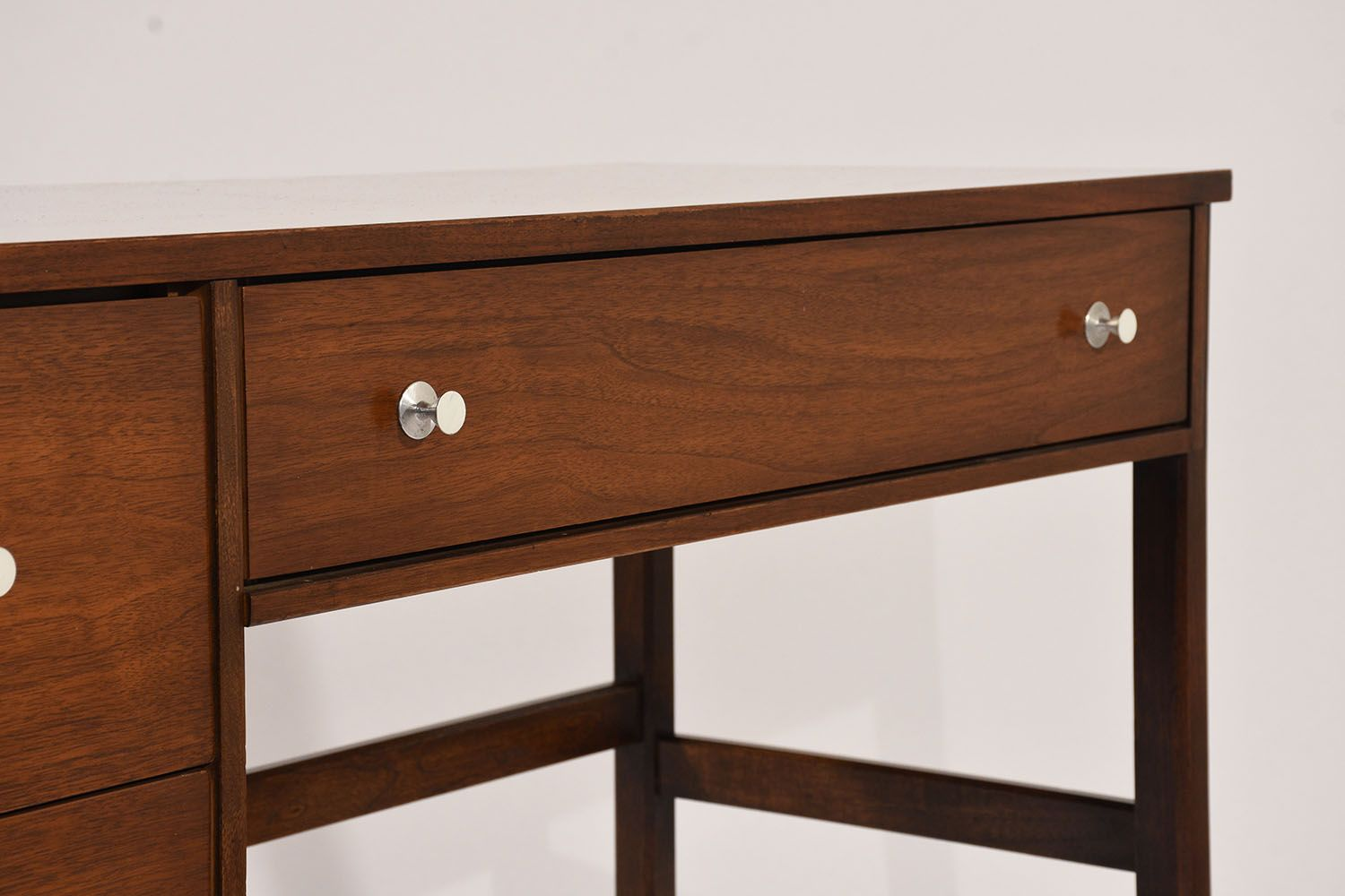 Mid Century Desk From Basset Furniture 1960s For Sale At Pamono