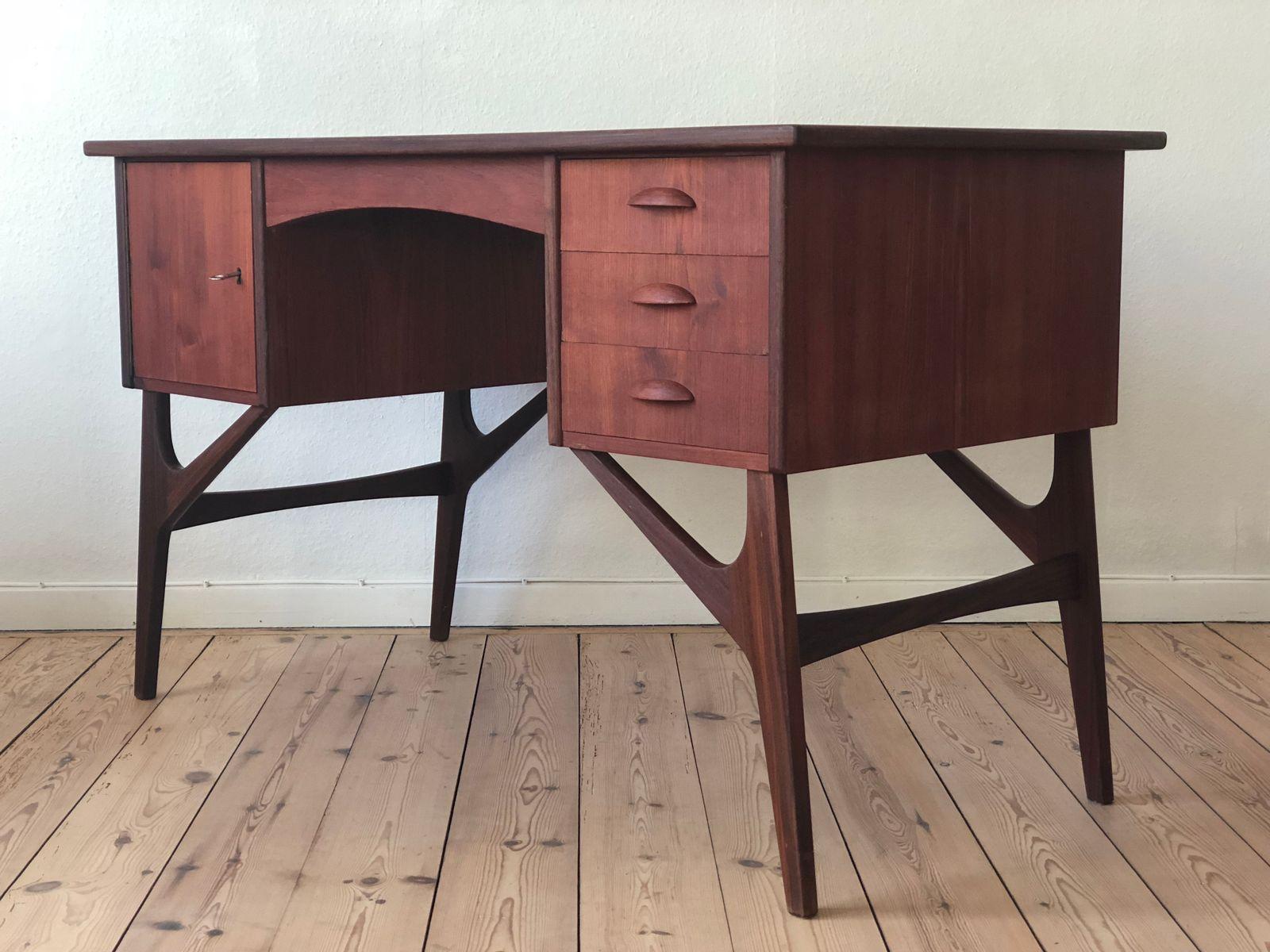 d nischer mid century teak schreibtisch 1950er bei pamono. Black Bedroom Furniture Sets. Home Design Ideas