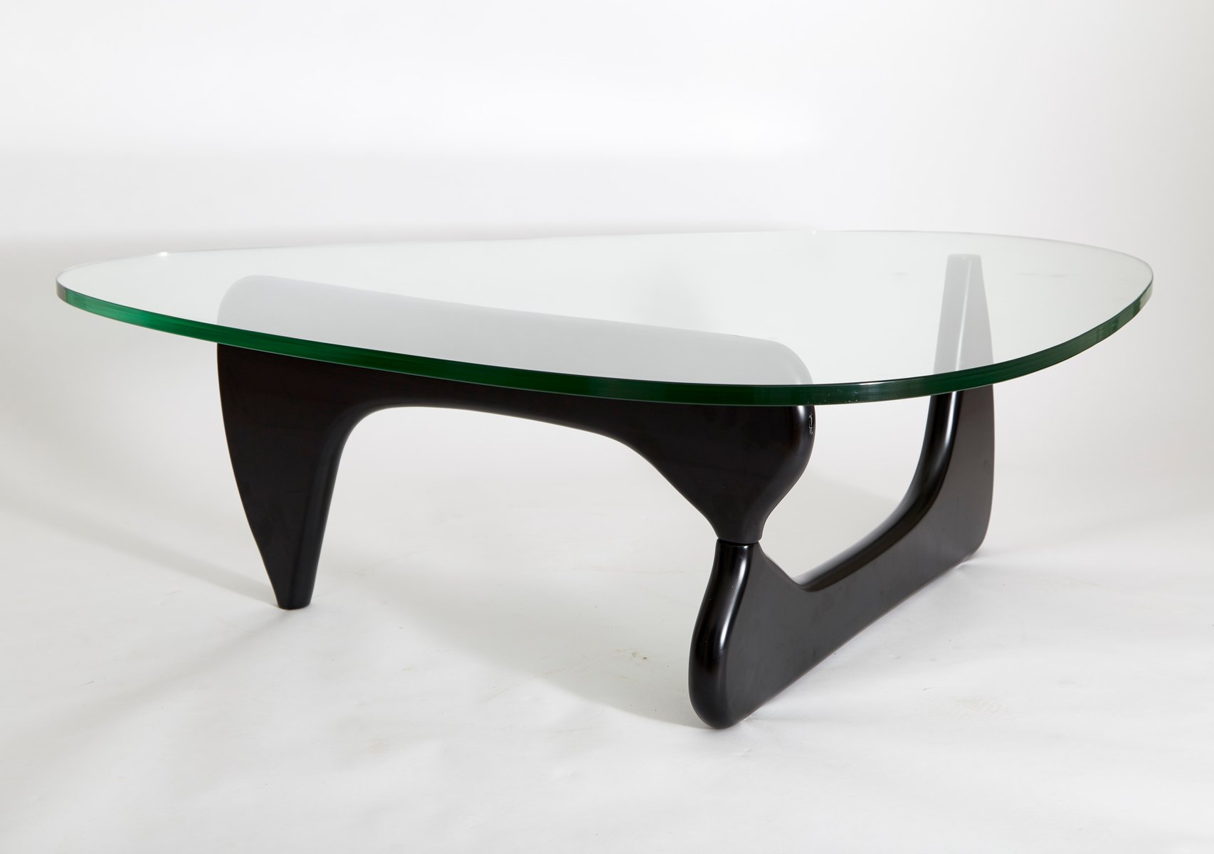 american in 50 coffee table by isamu noguchi for herman. Black Bedroom Furniture Sets. Home Design Ideas
