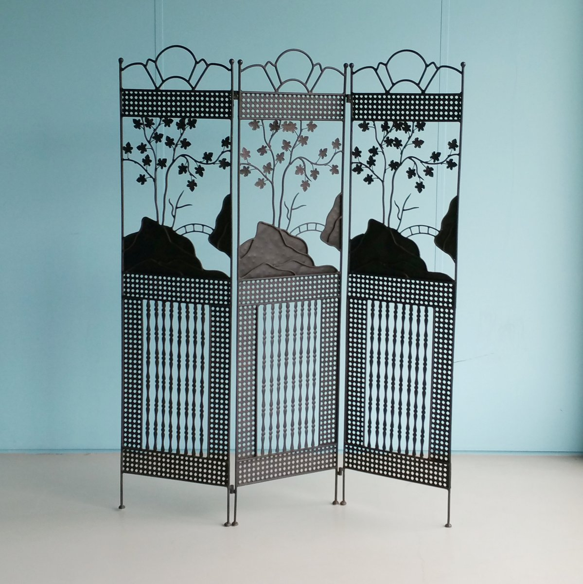 paravent art nouveau en fer forg 1900s en vente sur pamono. Black Bedroom Furniture Sets. Home Design Ideas