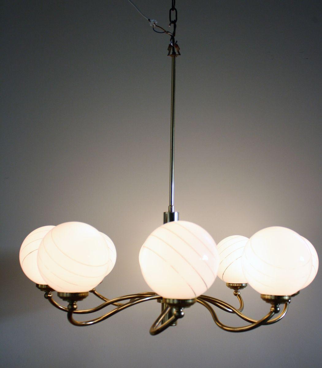 vintage messing opalglas kronleuchter mit 8 leuchten 1960er bei pamono kaufen. Black Bedroom Furniture Sets. Home Design Ideas
