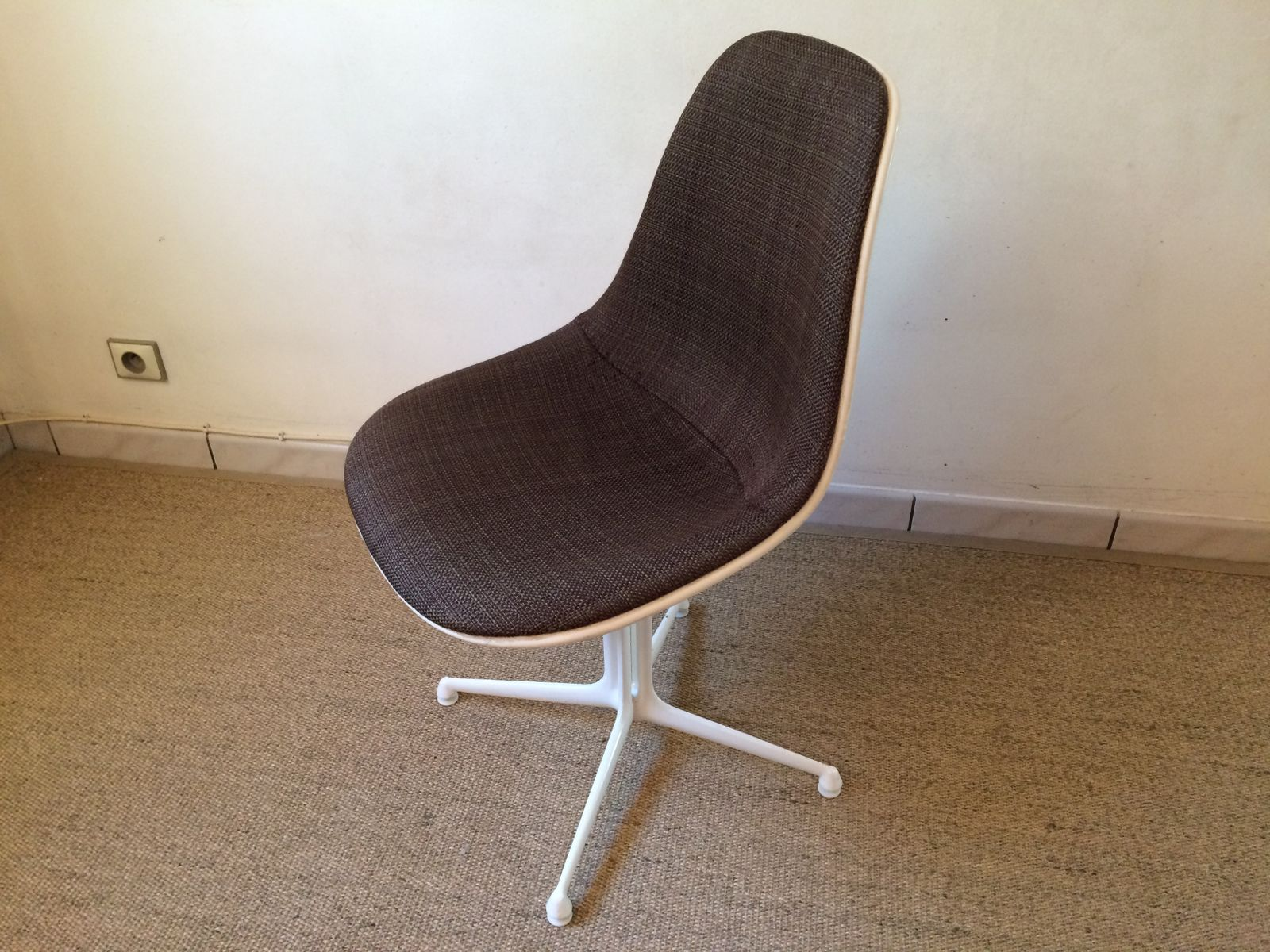 vintage la fonda chair by charles ray eames for herman miller for sale at pamono. Black Bedroom Furniture Sets. Home Design Ideas