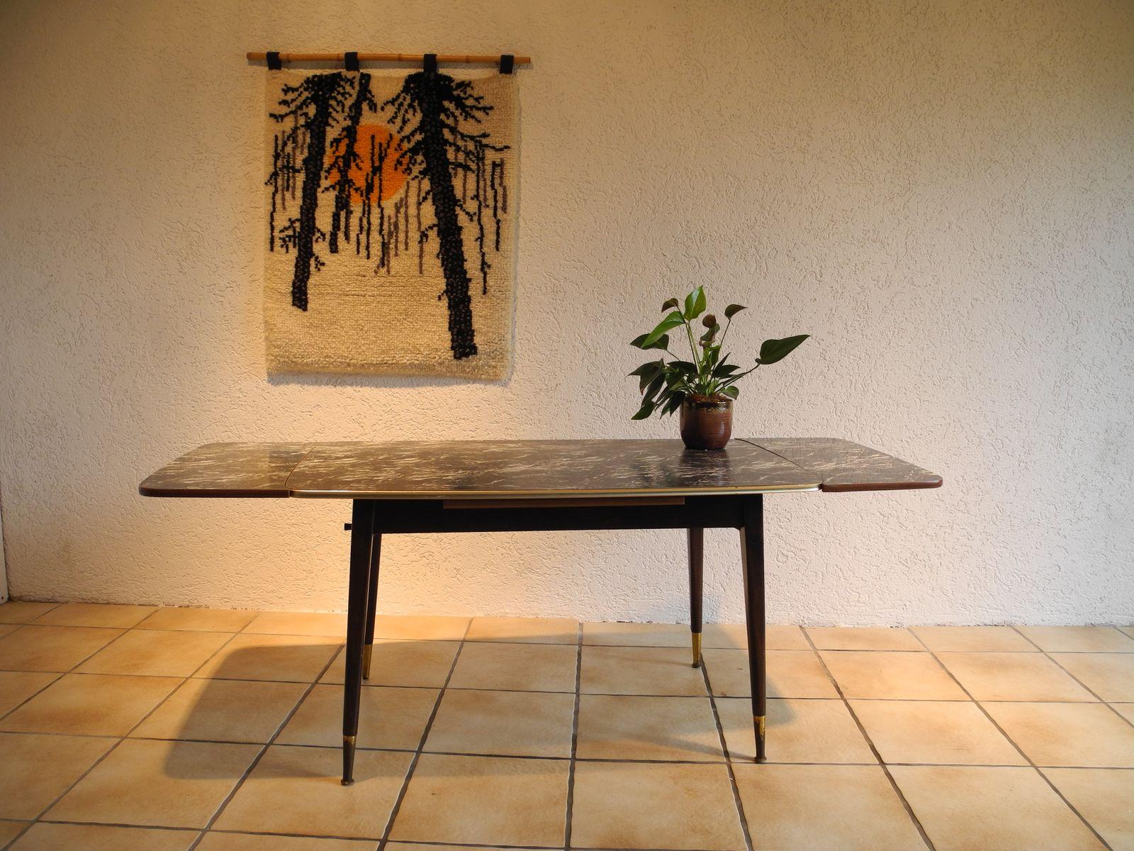 mid century wandteppich mit kiefern und sonnenmotiv bei pamono kaufen. Black Bedroom Furniture Sets. Home Design Ideas