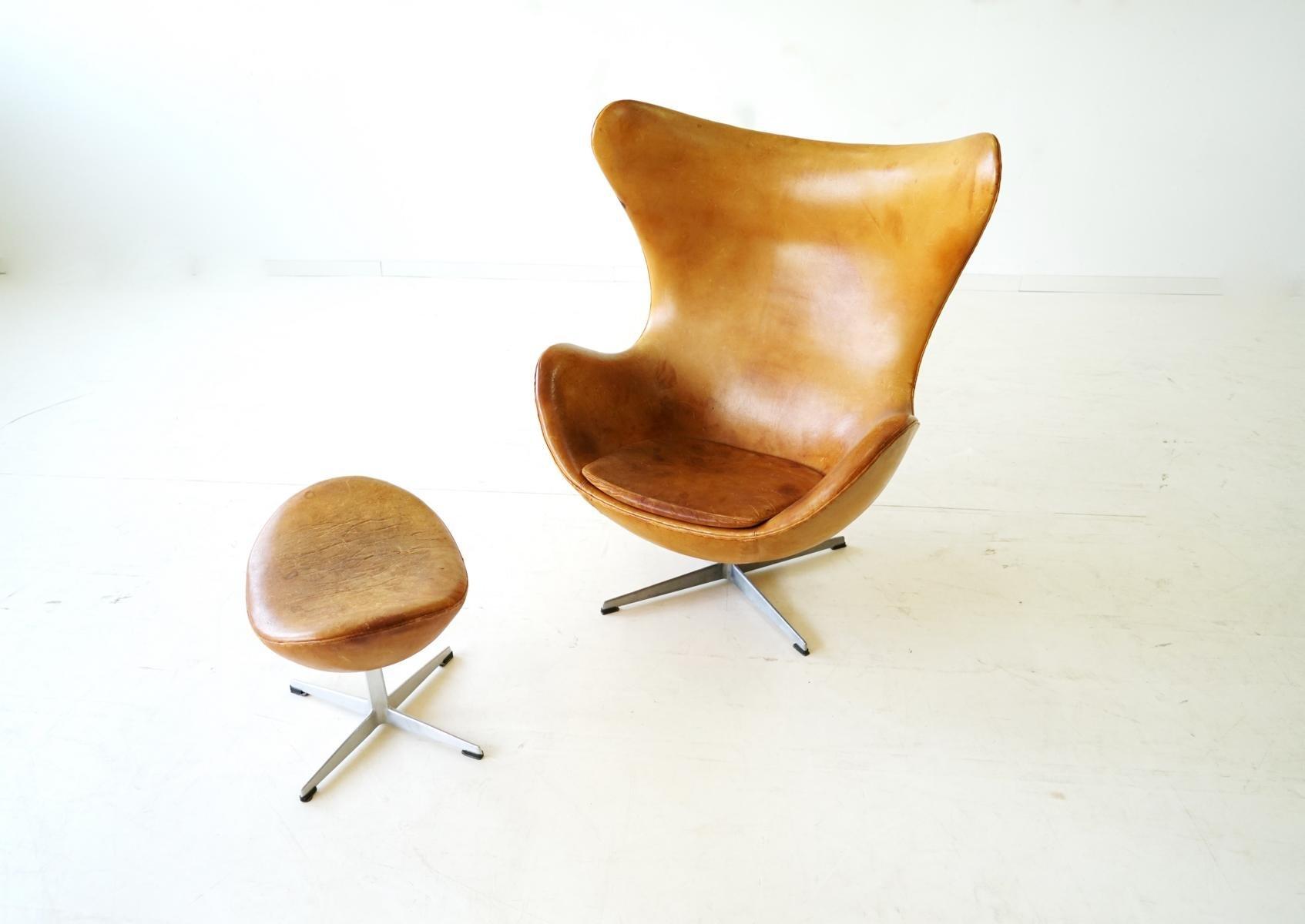 egg chair und ottomane aus leder von arne jacobsen f r fritz hansen 1960er bei pamono kaufen. Black Bedroom Furniture Sets. Home Design Ideas
