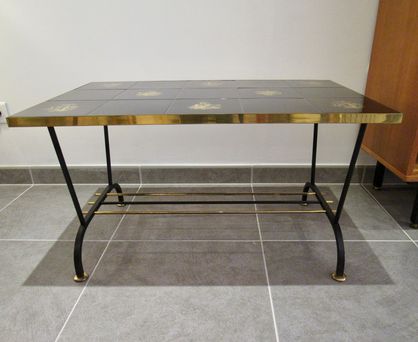 Vintage Coffee Table In Black And Gold