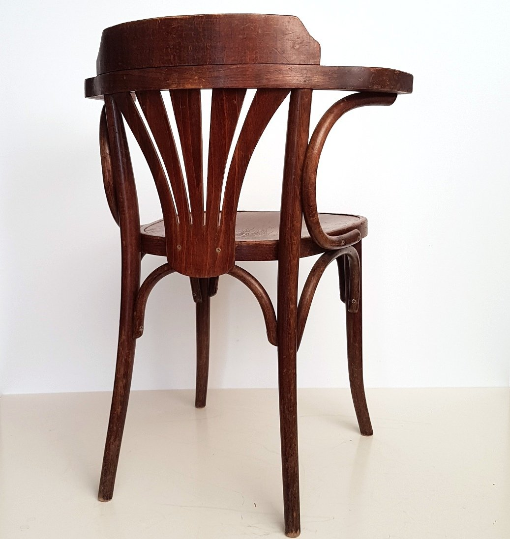 modell b25 bugholz stuhl von michael thonet f r drevounia 1920er bei pamono kaufen. Black Bedroom Furniture Sets. Home Design Ideas