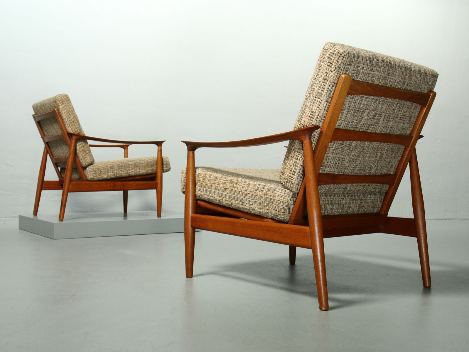 mid century teak sessel 2er set bei pamono kaufen. Black Bedroom Furniture Sets. Home Design Ideas
