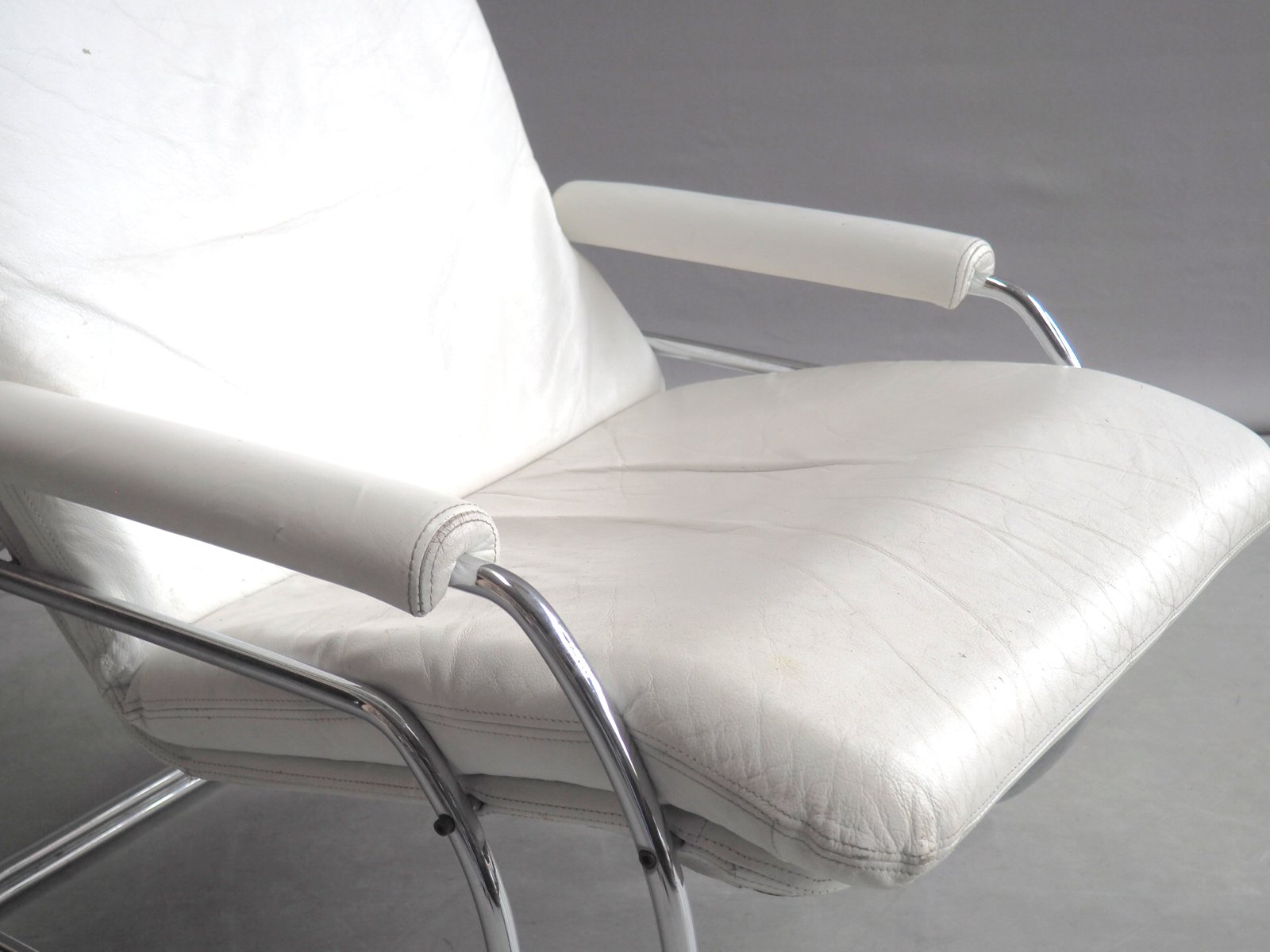 dutch white leather lounge chair by jan de bouvrie for gelderland