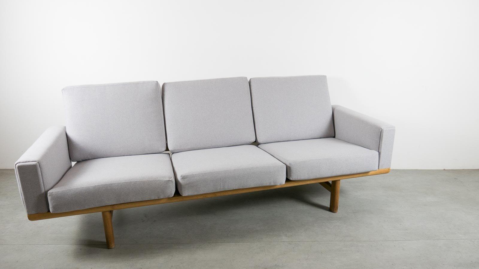 Vintage GE236 Sofa In Oak By Hans Wegner For Getama