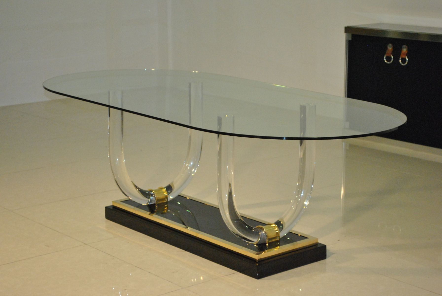 lucite and brass dining table 1970s for sale at pamono