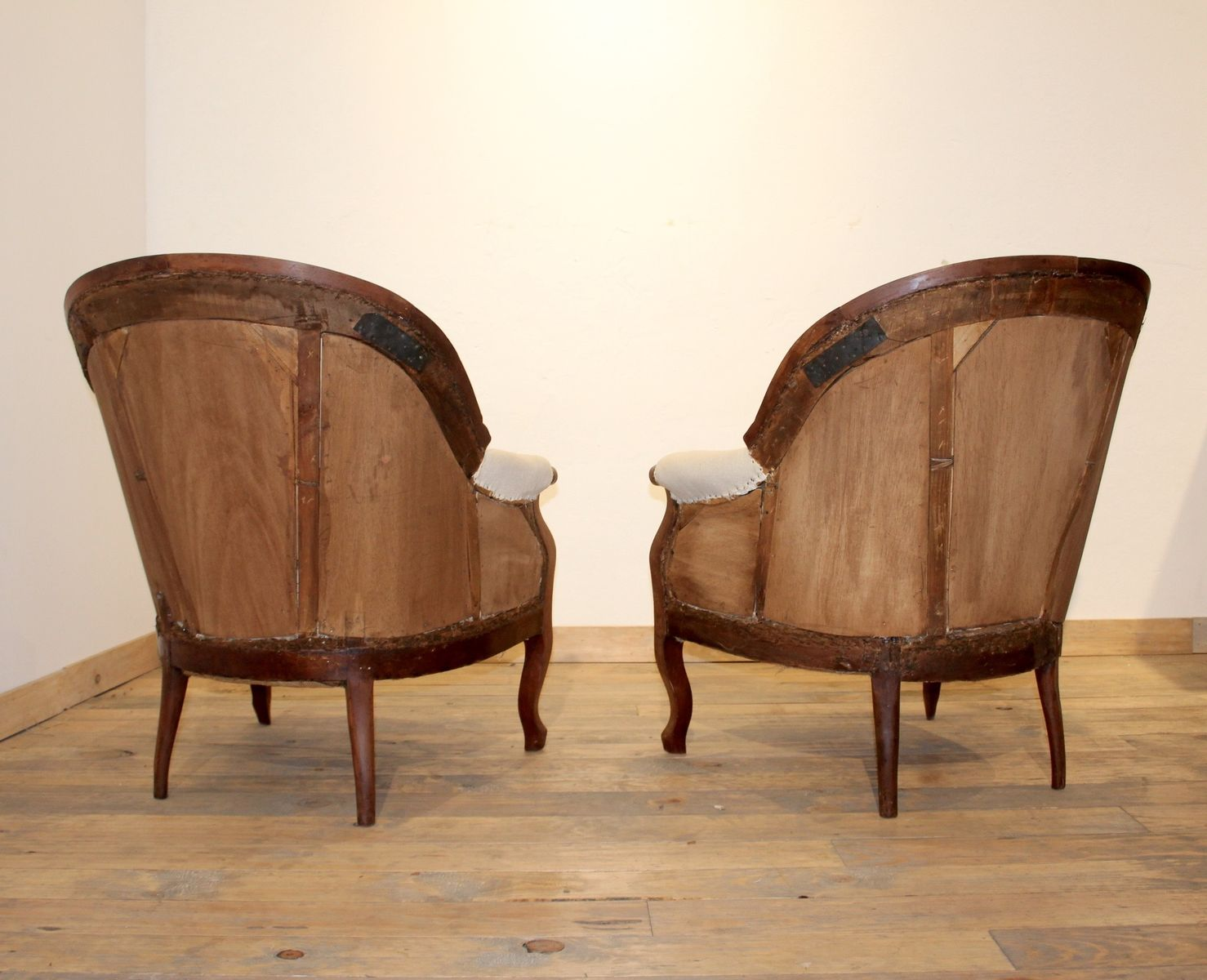 Vintage walnut armchairs set of 2 for sale at pamono for 2 armchairs for sale