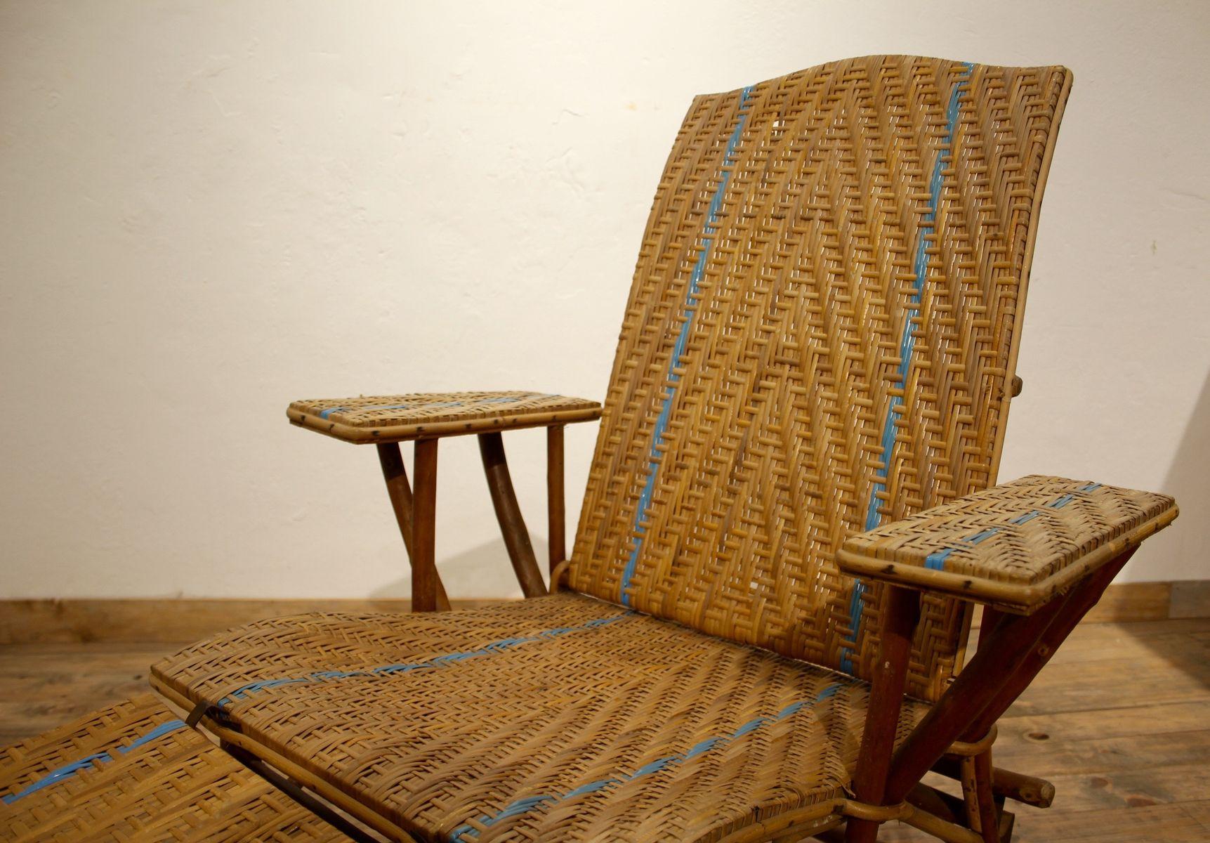 vintage rattan armlehnstuhl und hocker bei pamono kaufen. Black Bedroom Furniture Sets. Home Design Ideas