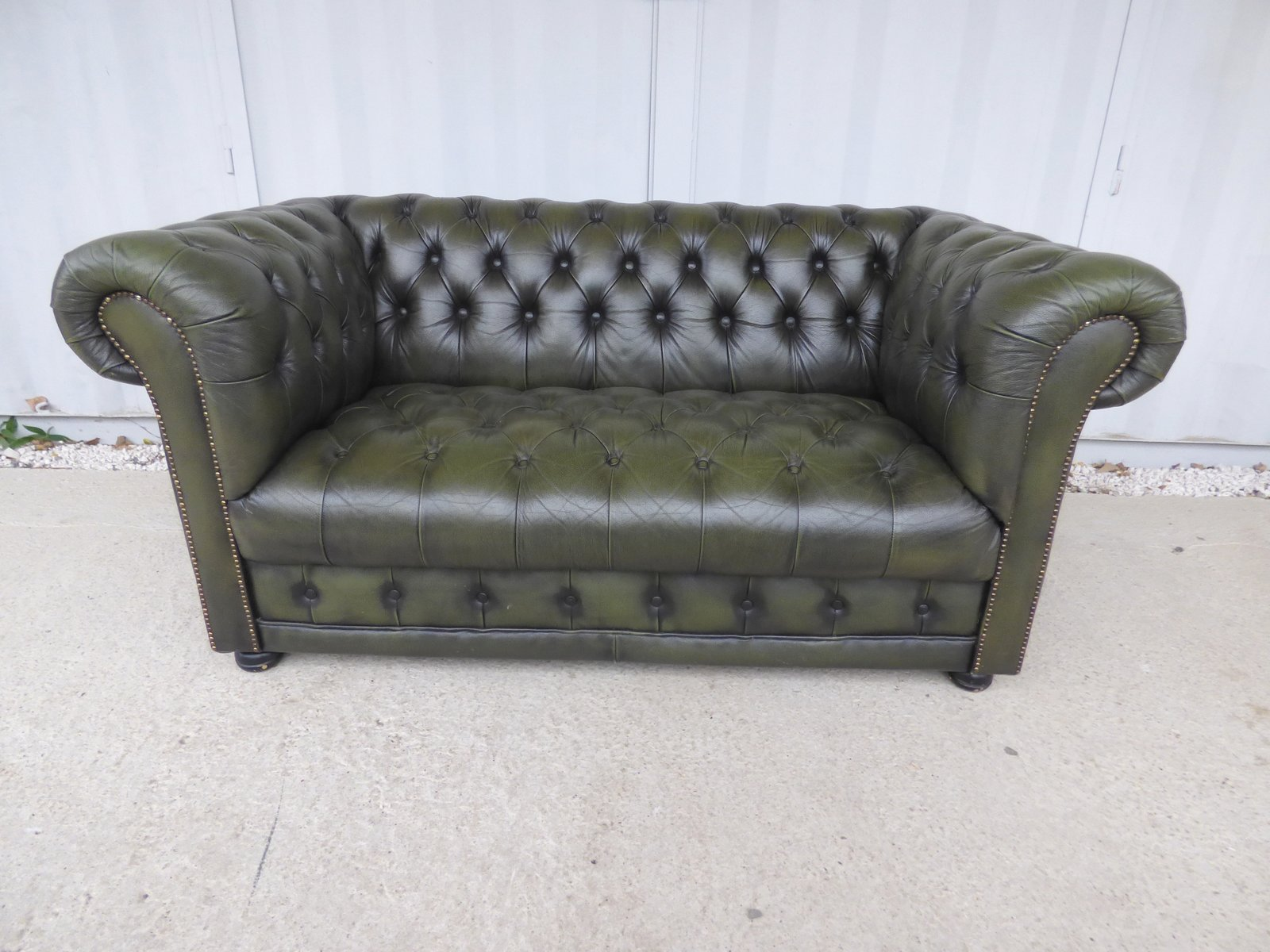 Vintage French Chesterfield Sofa 1970s for sale at Pamono