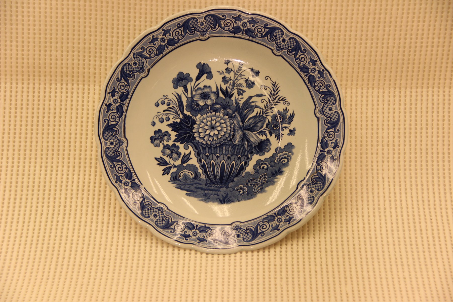 Vintage Hand-Painted Plate from Delfts & Vintage Hand-Painted Plate from Delfts for sale at Pamono