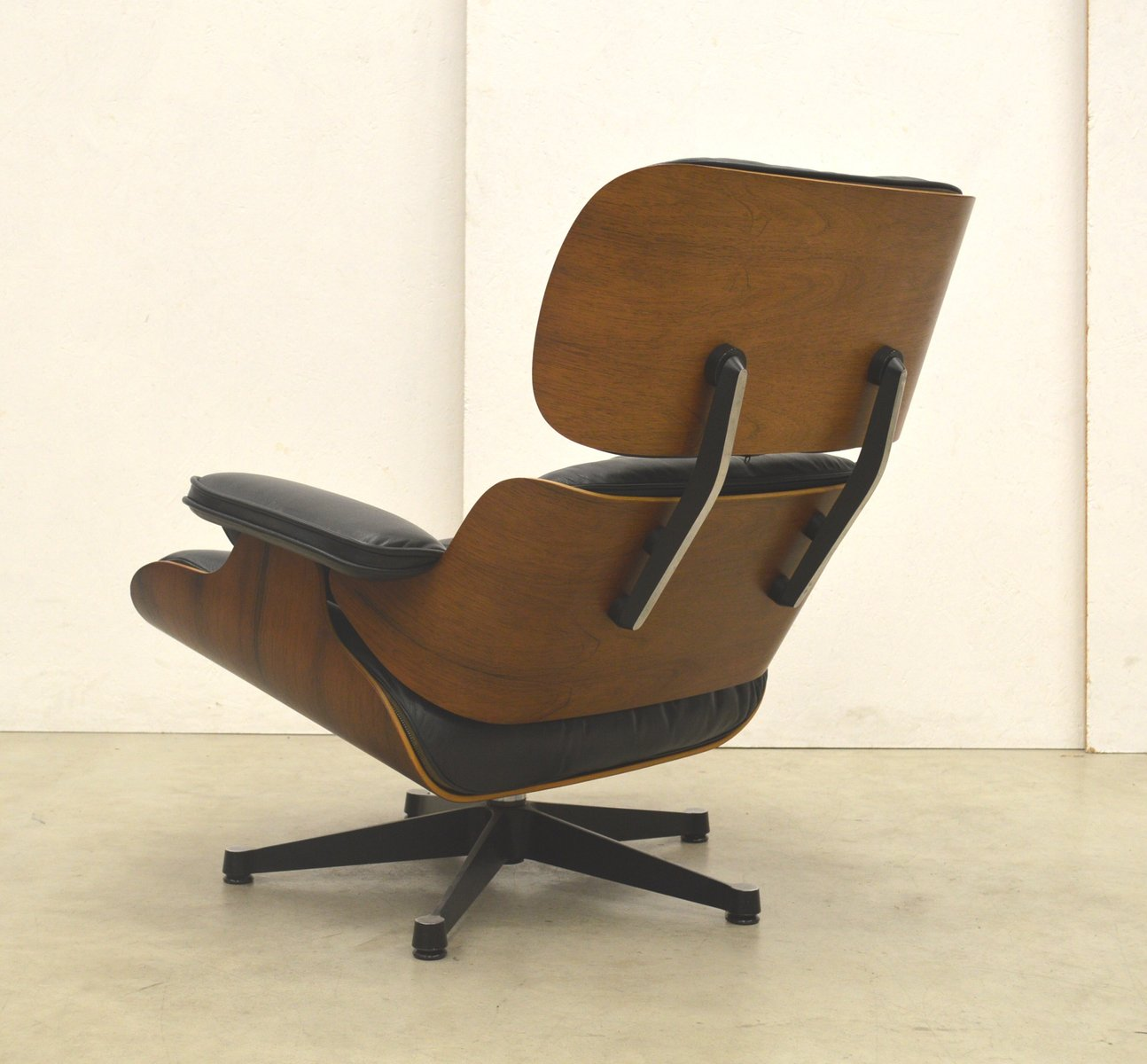 rosewood lounge chair by ray charles eames for vitra. Black Bedroom Furniture Sets. Home Design Ideas