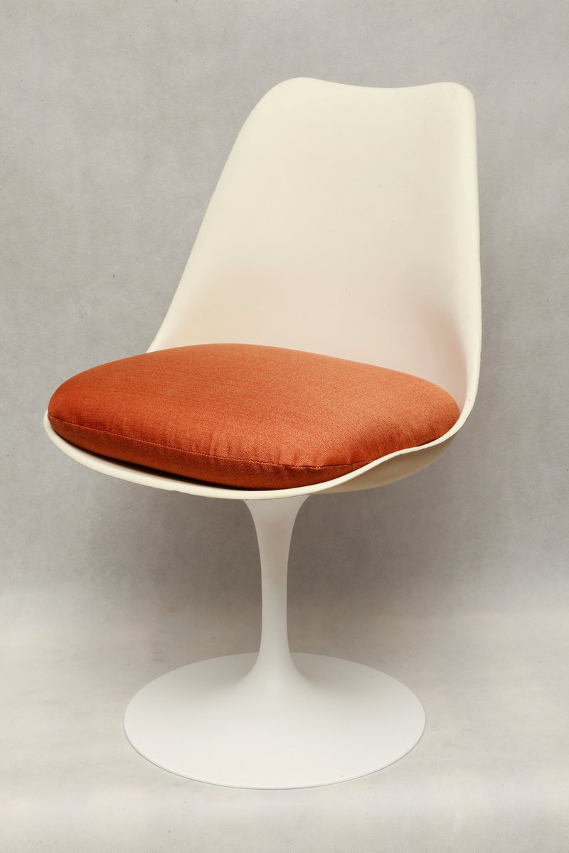 tulip chair by eero saarinen for knoll international 1964. Black Bedroom Furniture Sets. Home Design Ideas