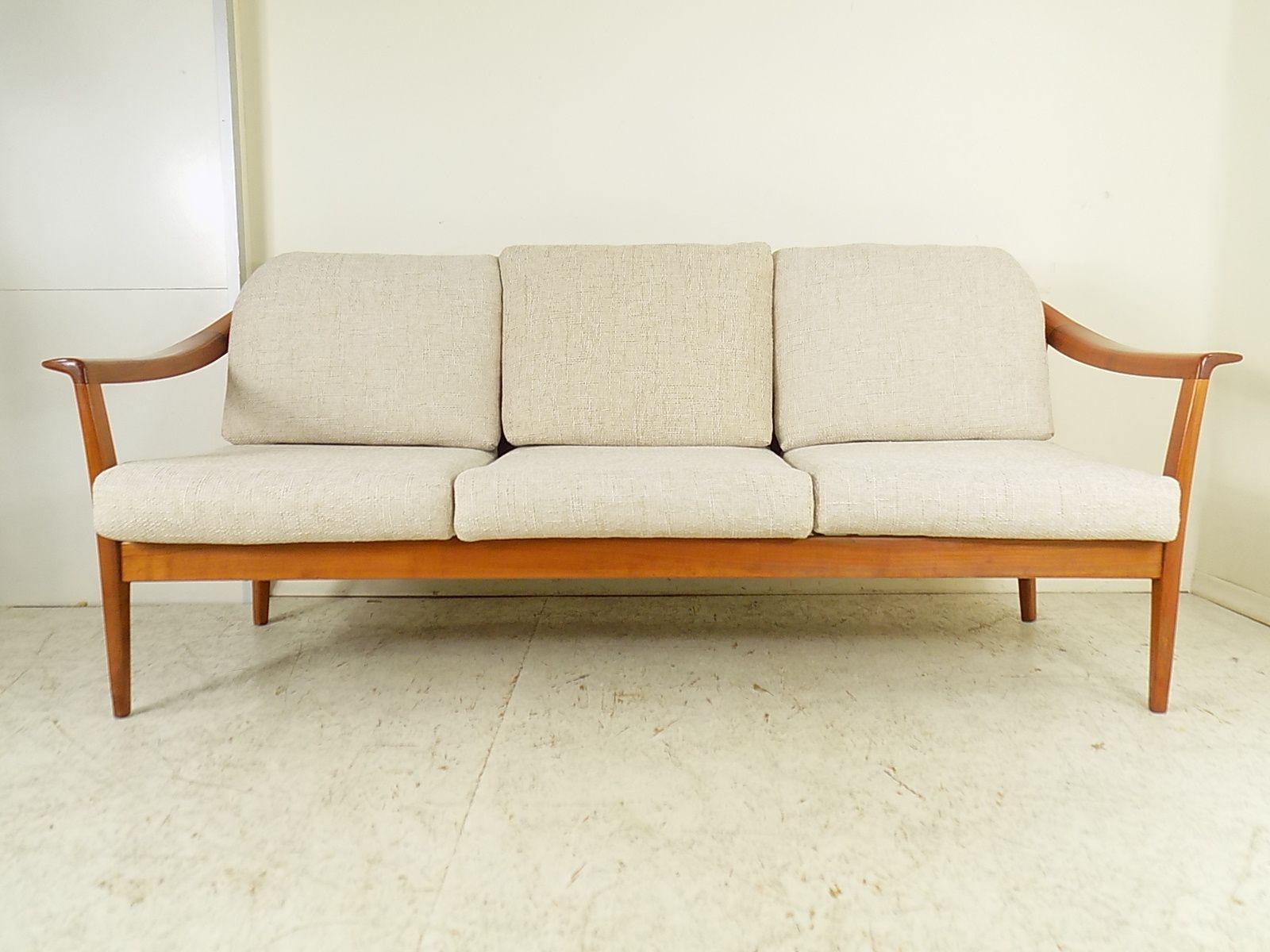 vintage kirschholz 3 sitzer sofa von wilhelm knoll 1960er bei pamono kaufen. Black Bedroom Furniture Sets. Home Design Ideas