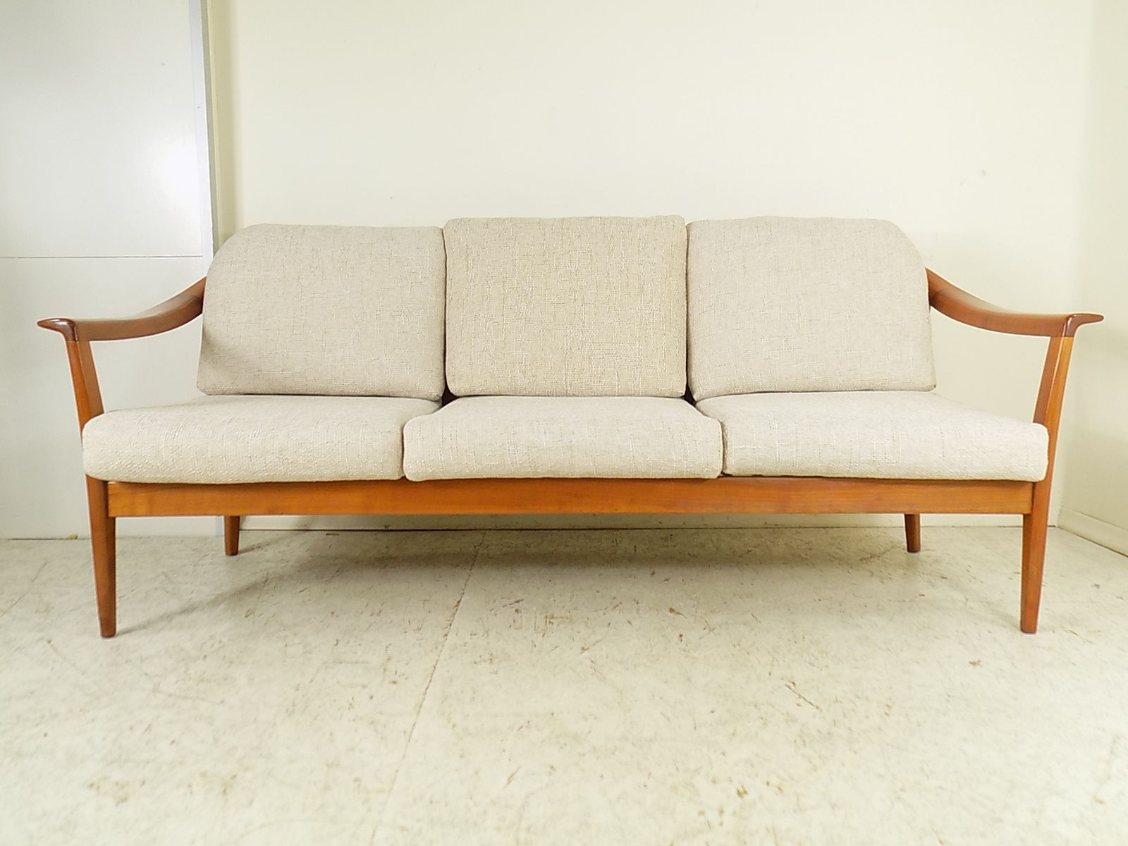 vintage cherry 3 seater sofa from wilhelm knoll 1960s for sale at pamono. Black Bedroom Furniture Sets. Home Design Ideas