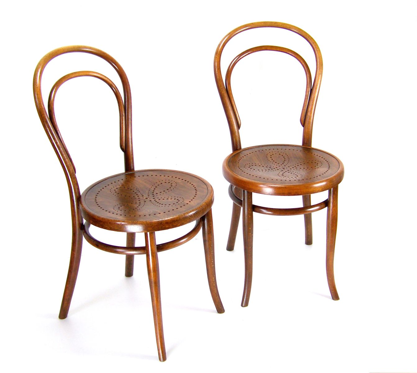 viennese nr 14 chairs from thonet 1900s set of 2 for sale at pamono. Black Bedroom Furniture Sets. Home Design Ideas