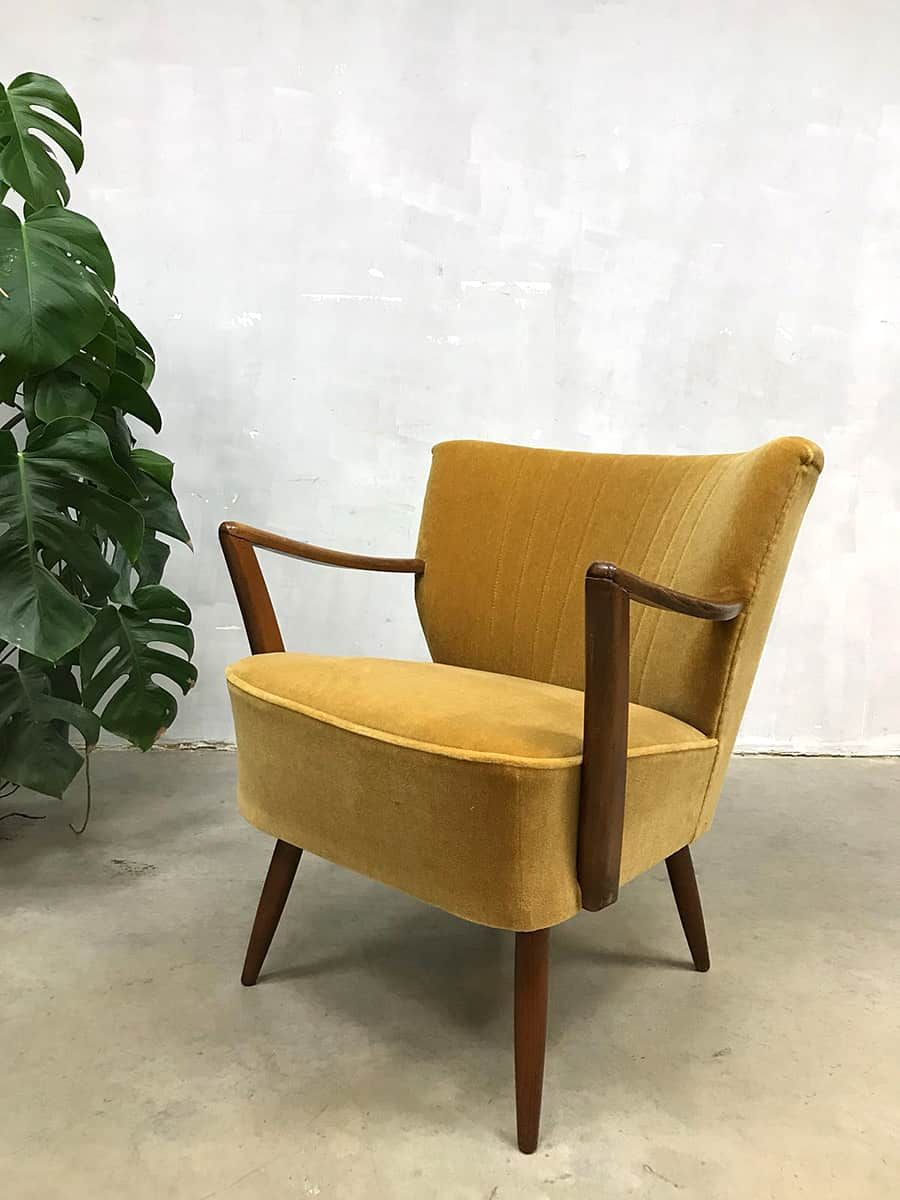 vintage sessel aus goldfarbenem samt velours von artifort bei pamono kaufen. Black Bedroom Furniture Sets. Home Design Ideas