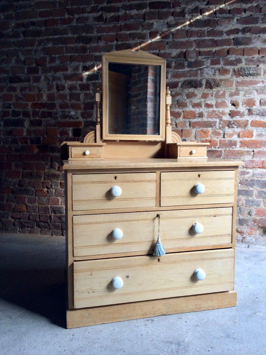 antike kiefernholz kommode mit spiegel bei pamono kaufen. Black Bedroom Furniture Sets. Home Design Ideas