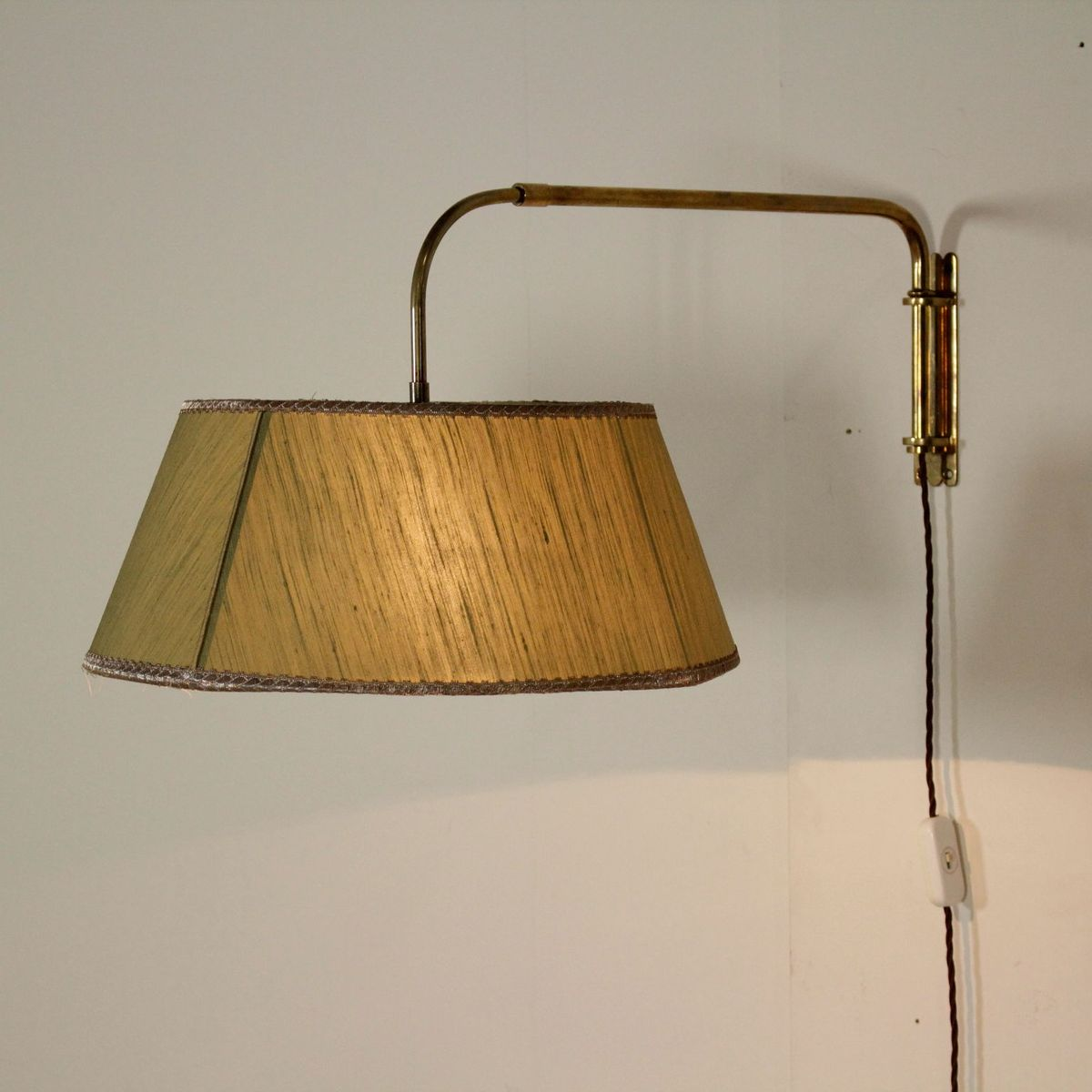 ausziehbare messing wandlampe 1950er bei pamono kaufen. Black Bedroom Furniture Sets. Home Design Ideas