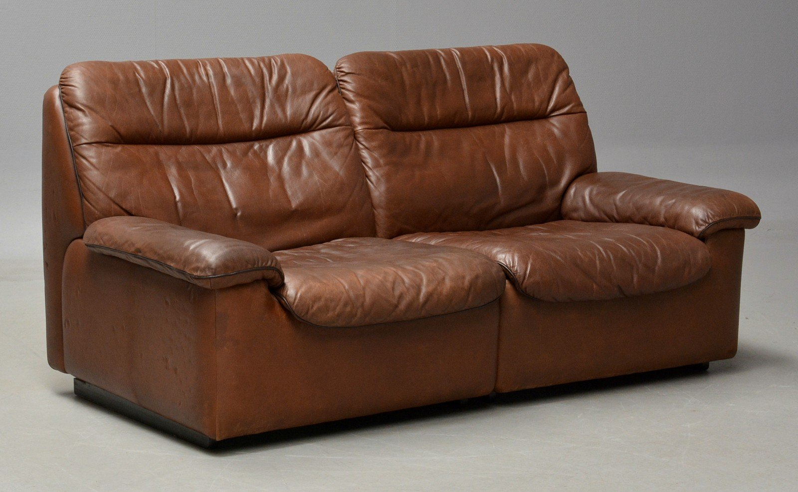 Vintage 2Seater Leather Sofa from de Sede for sale at Pamono