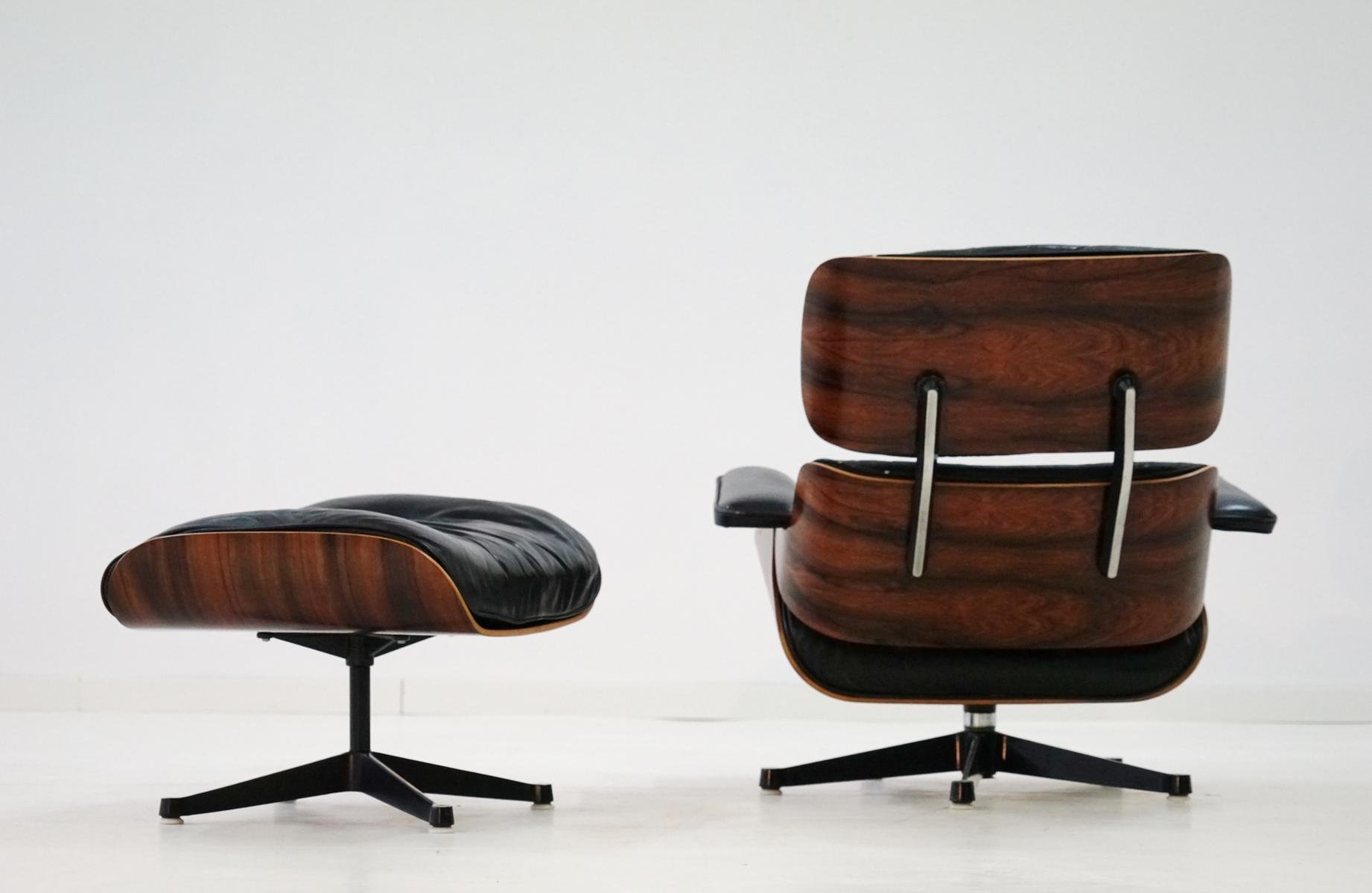 lounge chair ottoman by charles and ray eames for herman. Black Bedroom Furniture Sets. Home Design Ideas