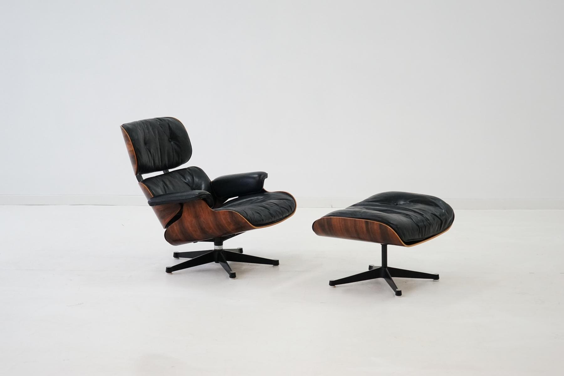 sessel und ottomane von charles und ray eames f r herman. Black Bedroom Furniture Sets. Home Design Ideas