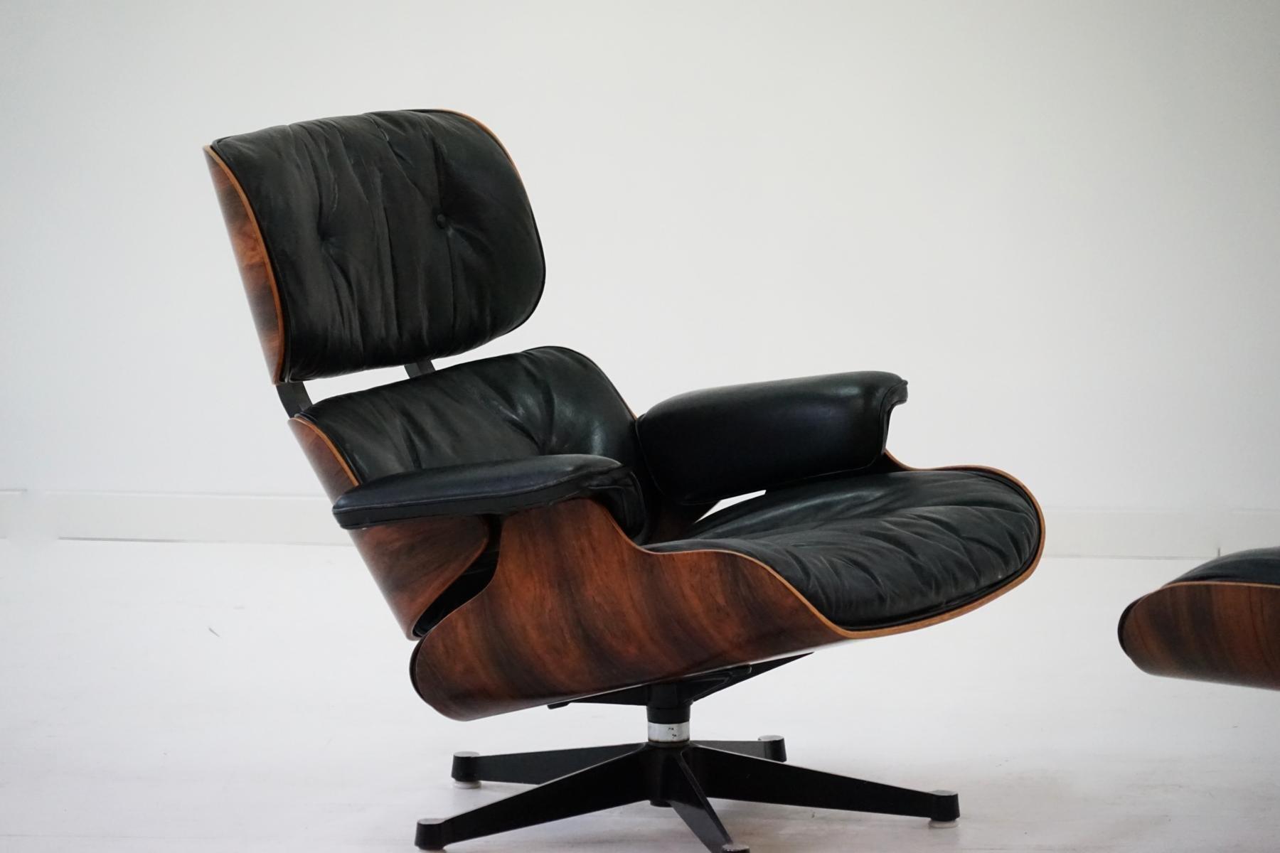 sessel und ottomane von charles und ray eames f r herman. Black Bedroom Furniture Sets. Home Design Ideas