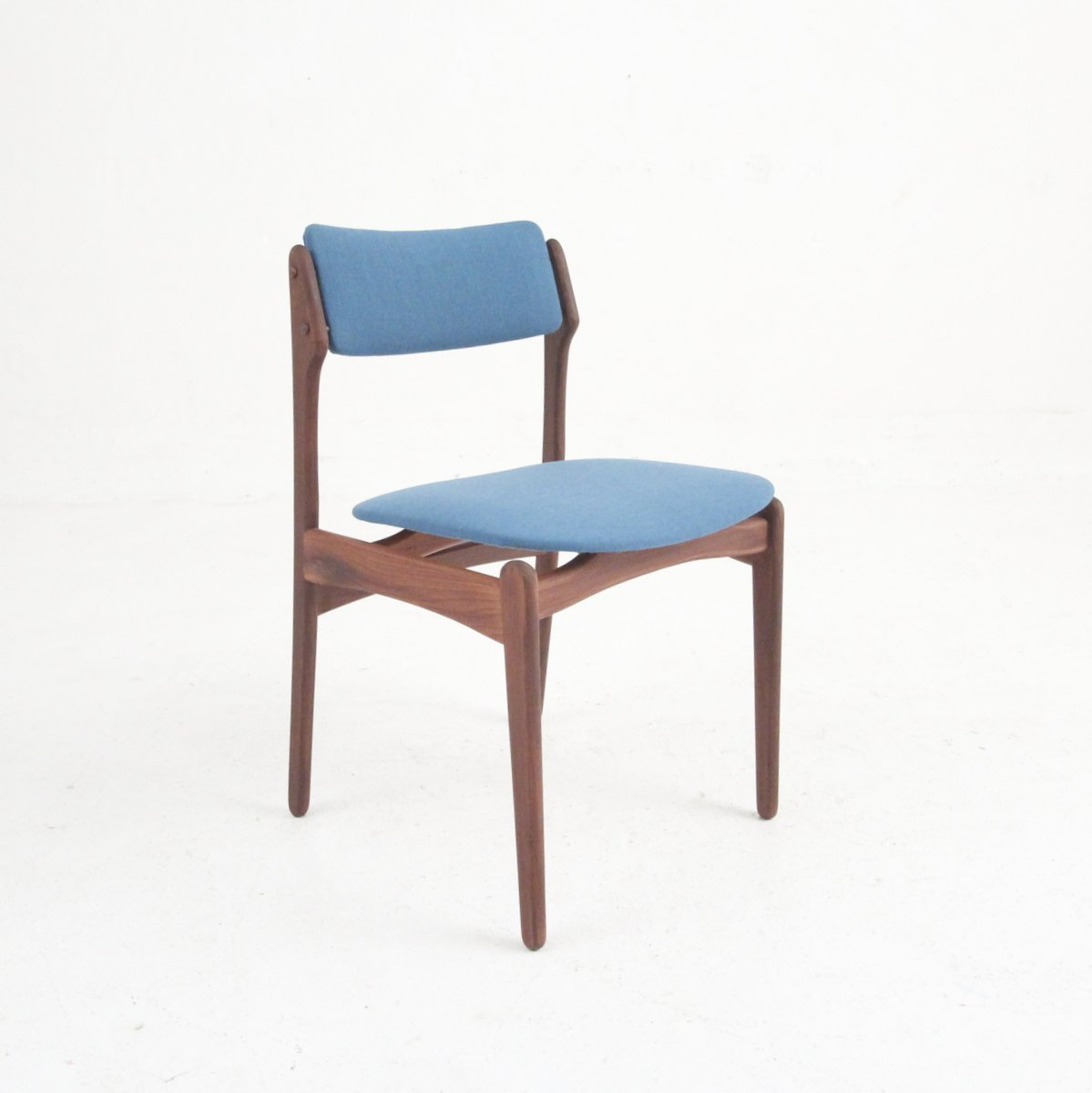Vintage danish modern dining chairs in rosewood set of 4 for Danish modern dining chairs