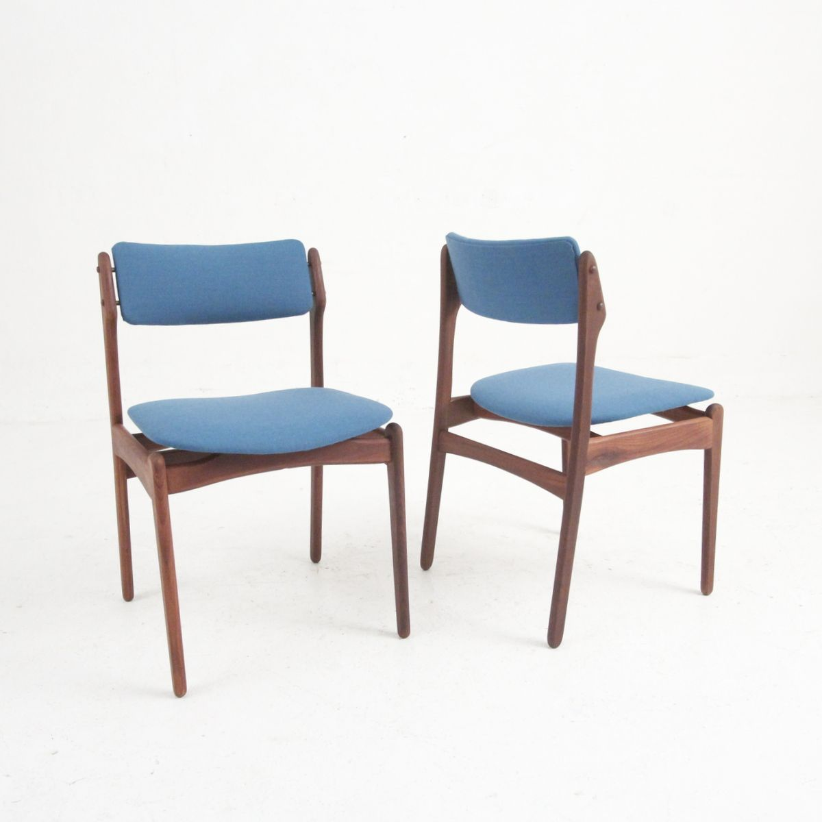 Vintage danish modern dining chairs in rosewood set of 4 for Modern dining chairs australia