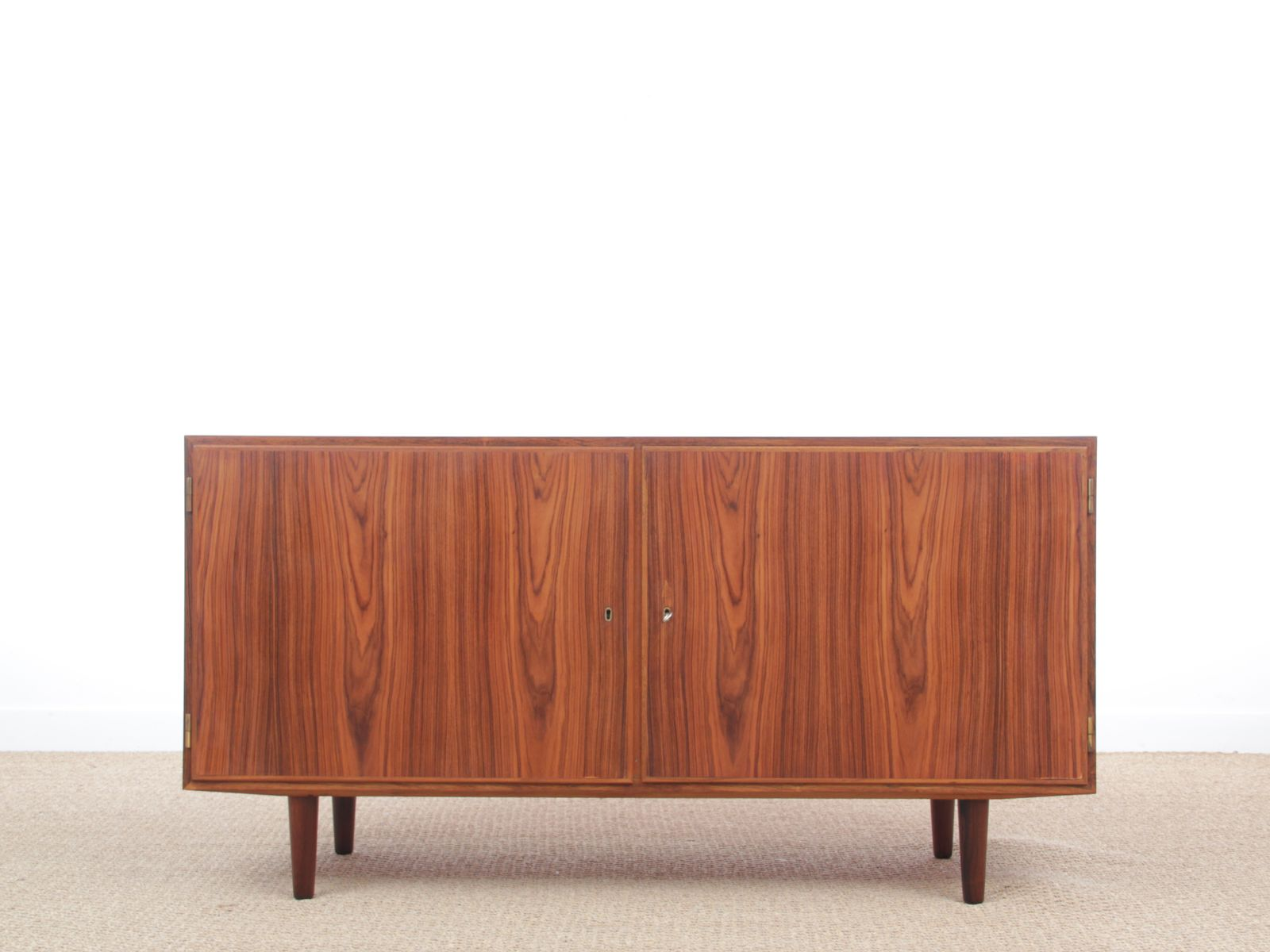 skandinavisches mid century modern sideboard aus rio palisander von poul hundevad 1960er bei. Black Bedroom Furniture Sets. Home Design Ideas