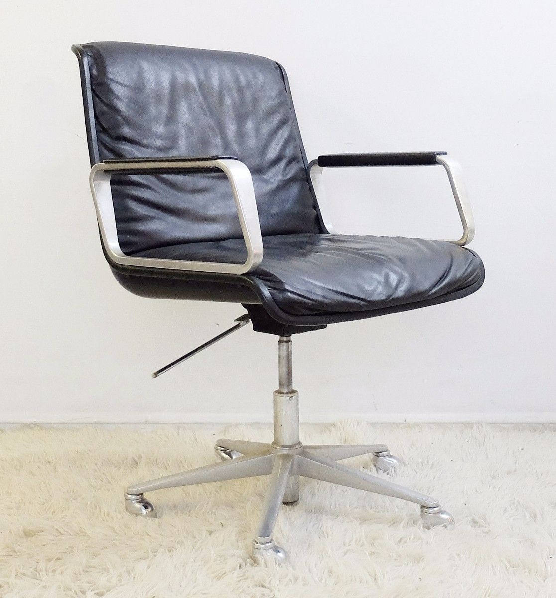 Vintage Leather Swivel Office Armchair from Wilkhahn for sale at ...