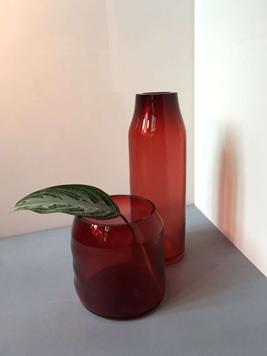 gro e rubinrote raw glasvase von milena kling bei pamono. Black Bedroom Furniture Sets. Home Design Ideas