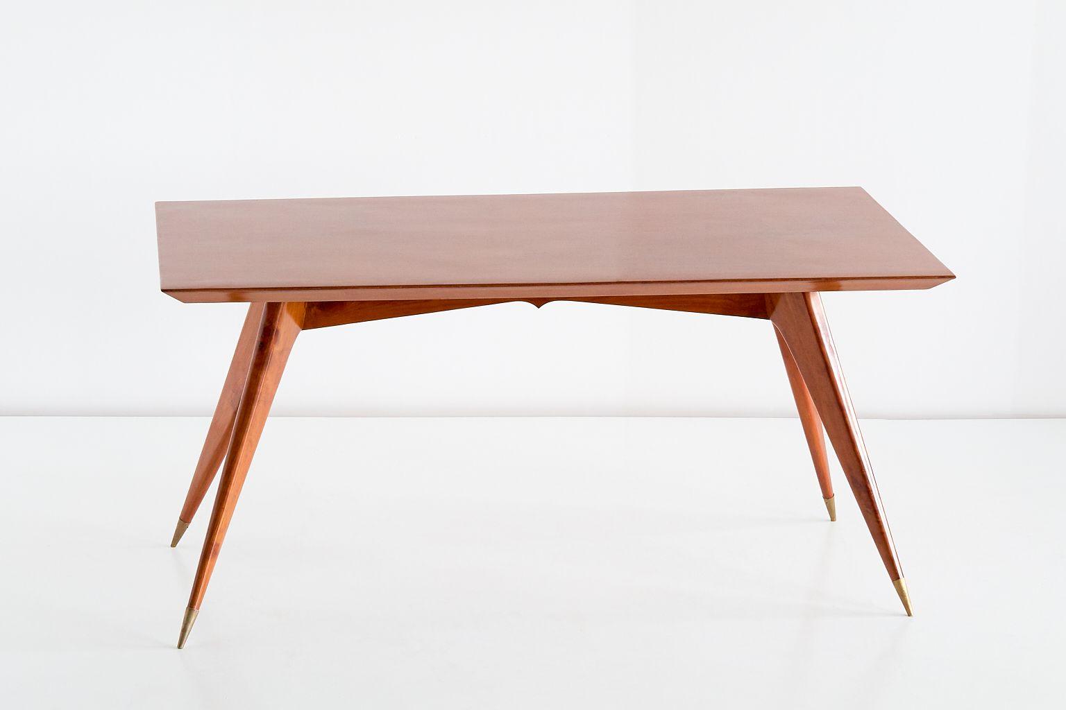 esstisch aus walnuss von melchiorre bega 1950er bei. Black Bedroom Furniture Sets. Home Design Ideas