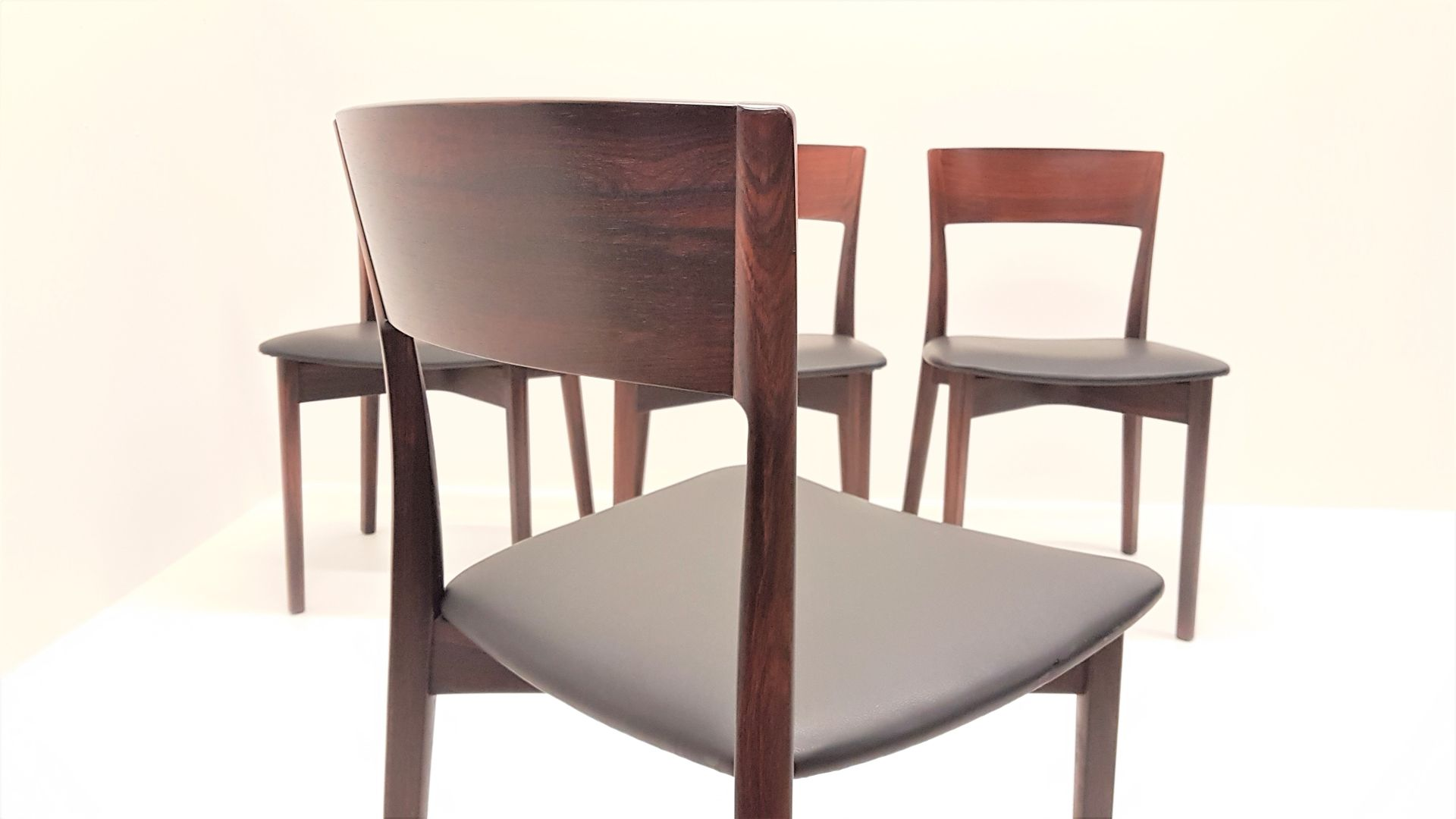 Mid Century Modern Rosewood Dining Chairs 1960s Set of 4  : mid century modern rosewood dining chairs 1960s set of 4 3 from www.pamono.com size 1920 x 1080 jpeg 80kB