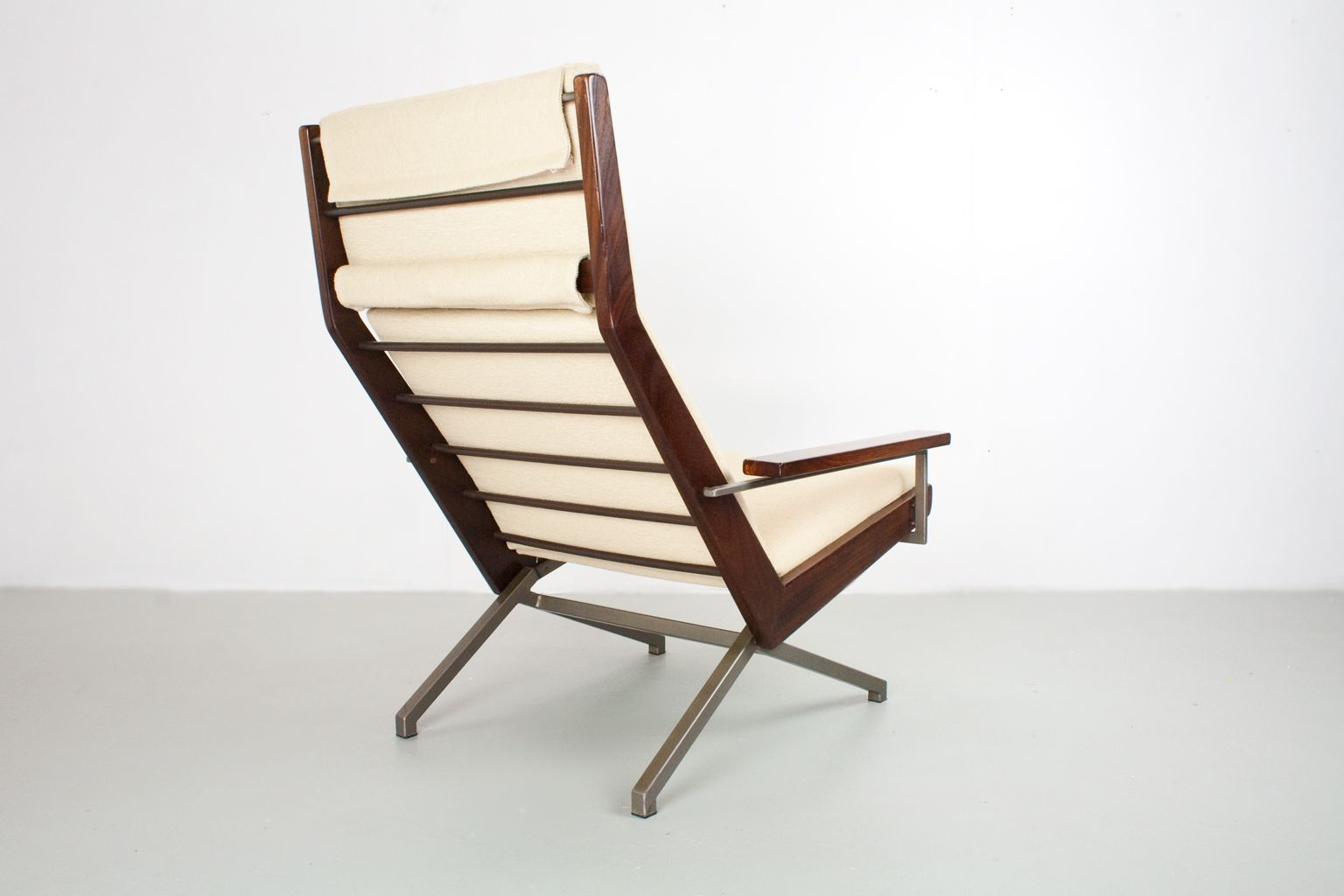 Large lotus lounge chair by rob parry for de ster for Dutch design chair uk