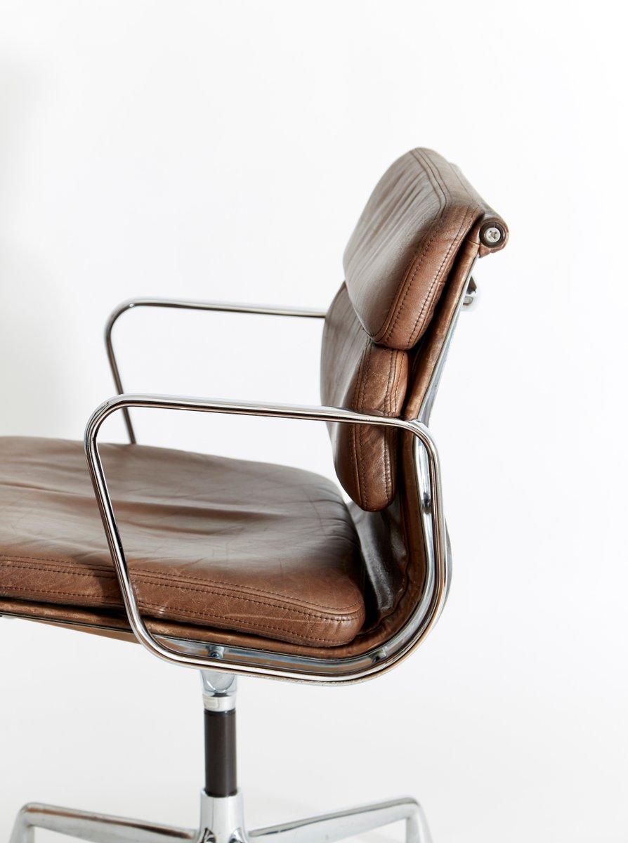 vintage ea 208 softpad b rostuhl von charles ray eames f r herman miller bei pamono kaufen. Black Bedroom Furniture Sets. Home Design Ideas
