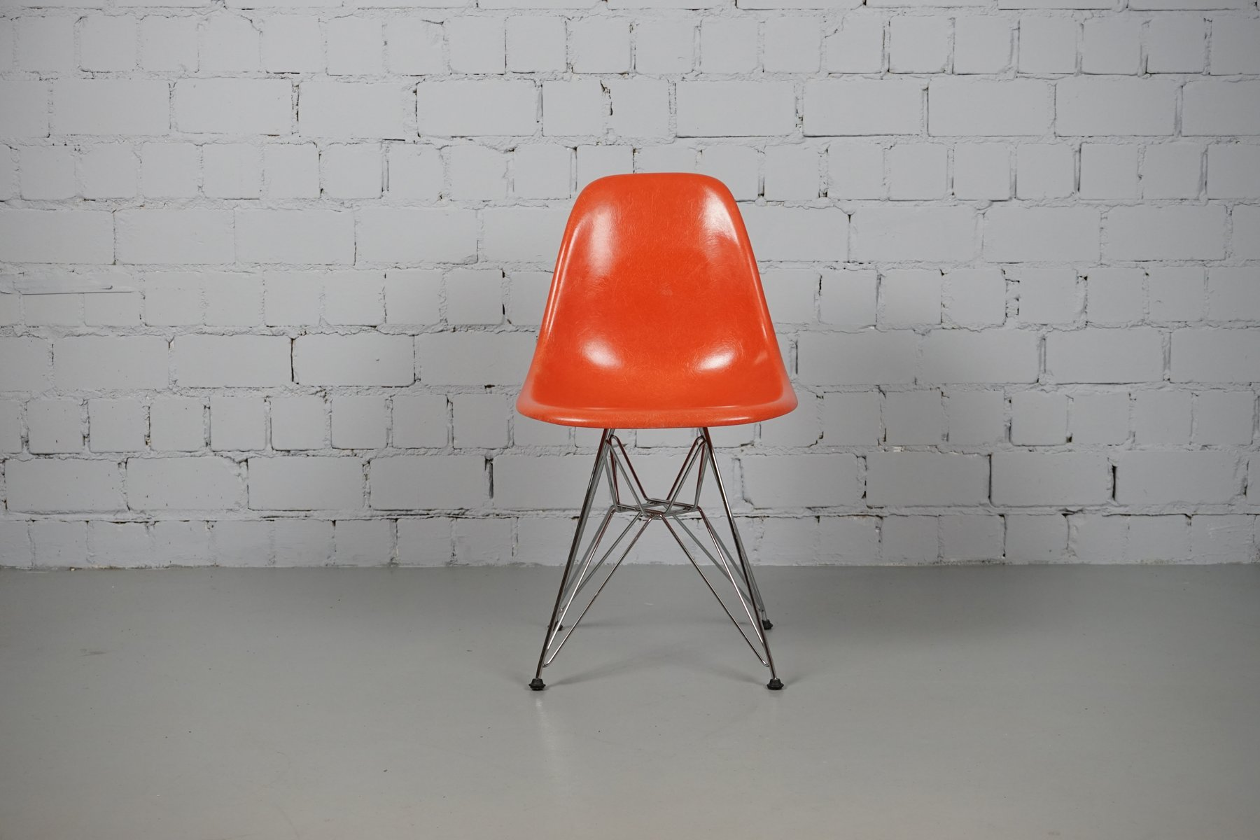 vintage dsr stuhl von charles ray eames f r vitra bei. Black Bedroom Furniture Sets. Home Design Ideas