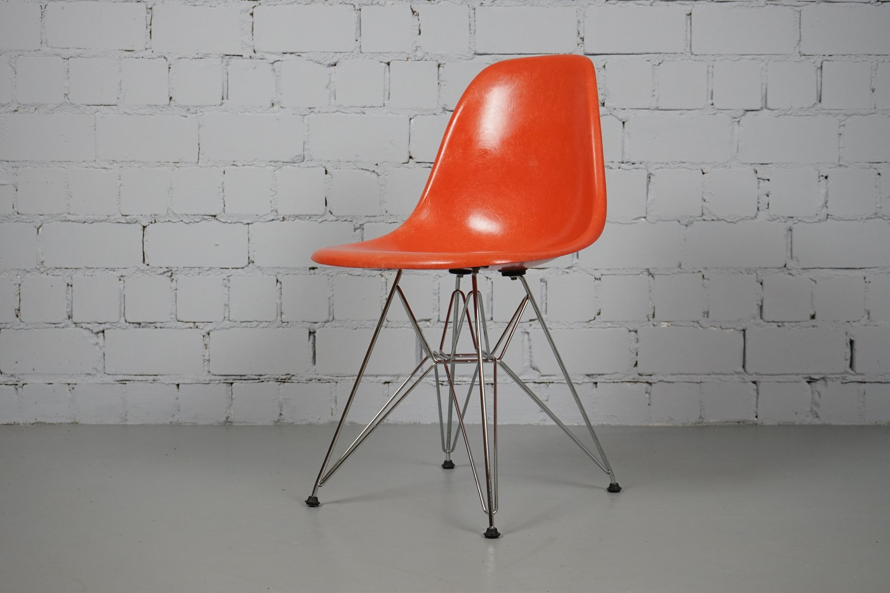 Vintage dsr chair by charles ray eames for vitra for for Eames chair deutschland