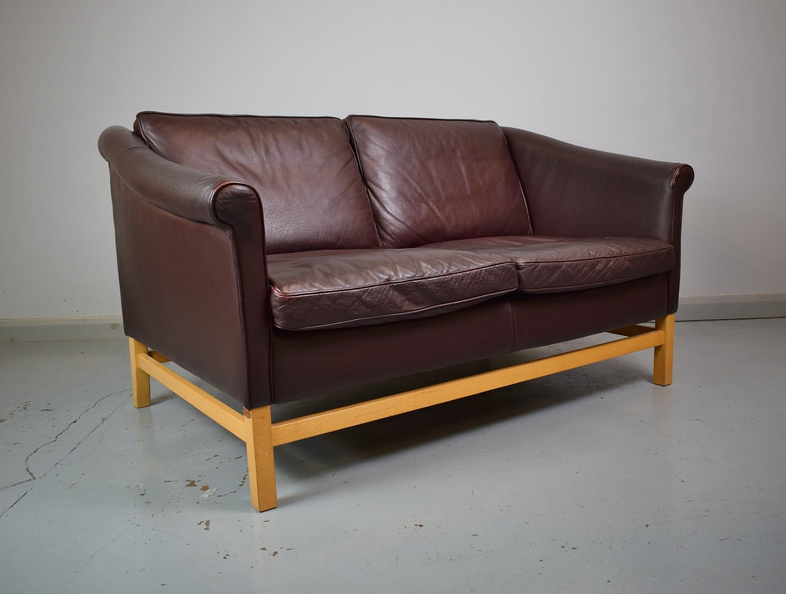 Burgundy 2 Seater Leather Beech Sofa From Stouby 1980s For Sale At Pamono