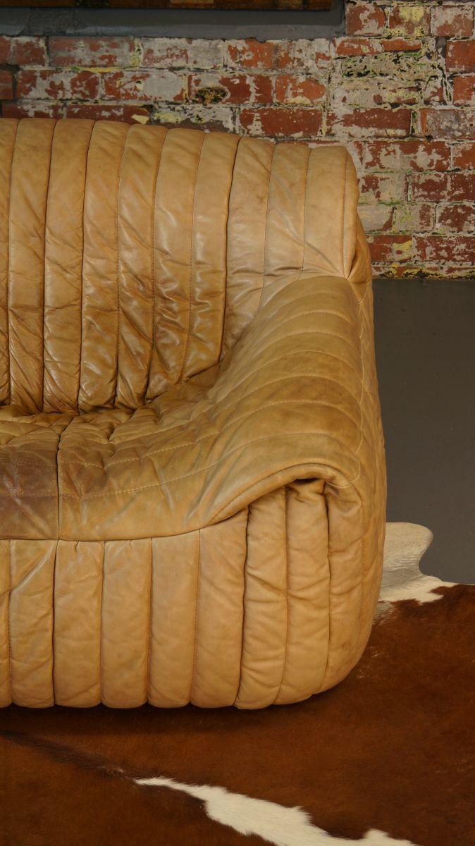 canap deux places en cuir tann par annie hieronimus pour cinna 1970s en vente sur pamono. Black Bedroom Furniture Sets. Home Design Ideas