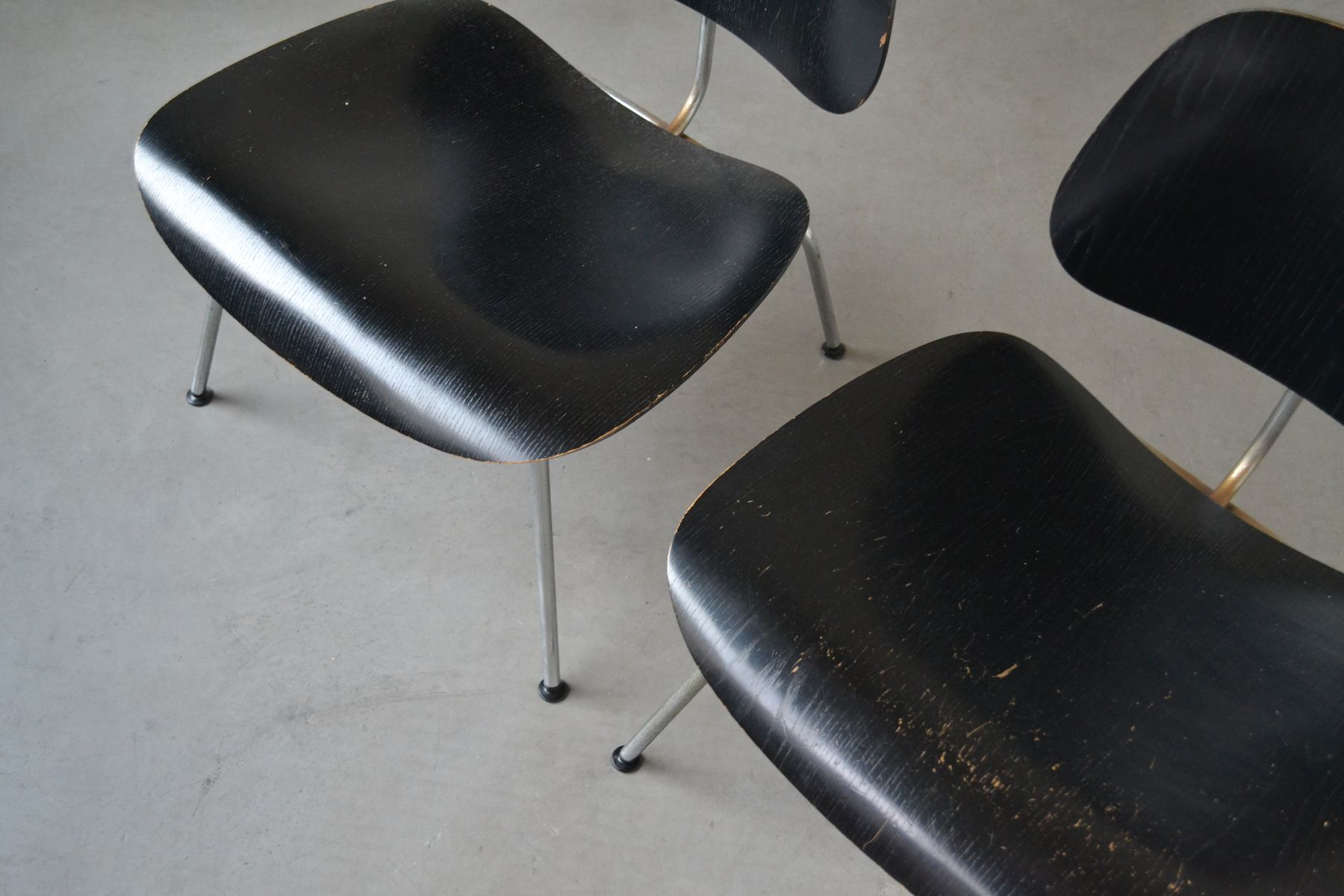 lounge chair metal lcm by charles ray eames for herman miller 1950s set of 2 bei pamono kaufen. Black Bedroom Furniture Sets. Home Design Ideas