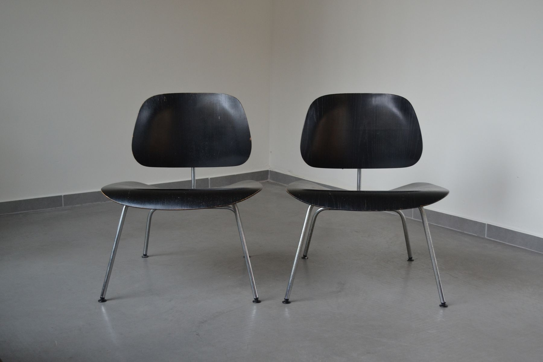 lounge chair metal lcm by charles ray eames for herman. Black Bedroom Furniture Sets. Home Design Ideas