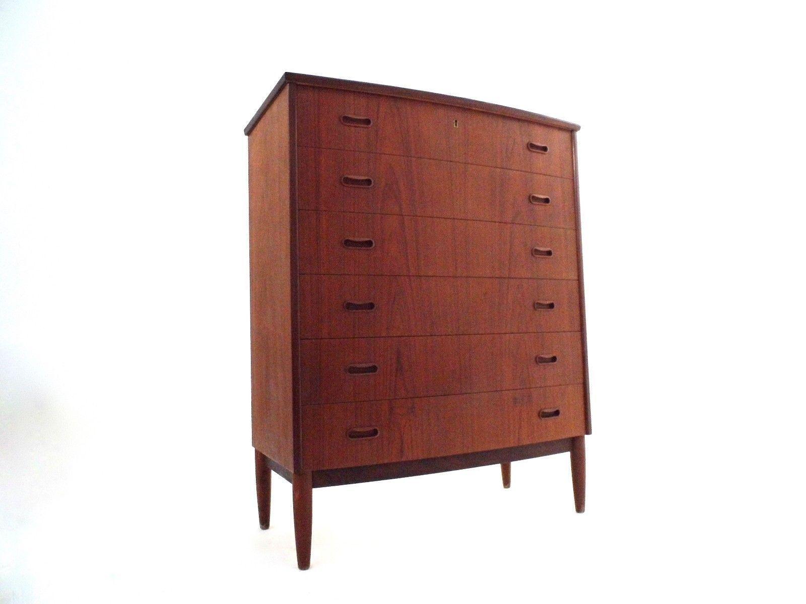 hohe d nische teak kommode mit gebogener front 1960er bei. Black Bedroom Furniture Sets. Home Design Ideas