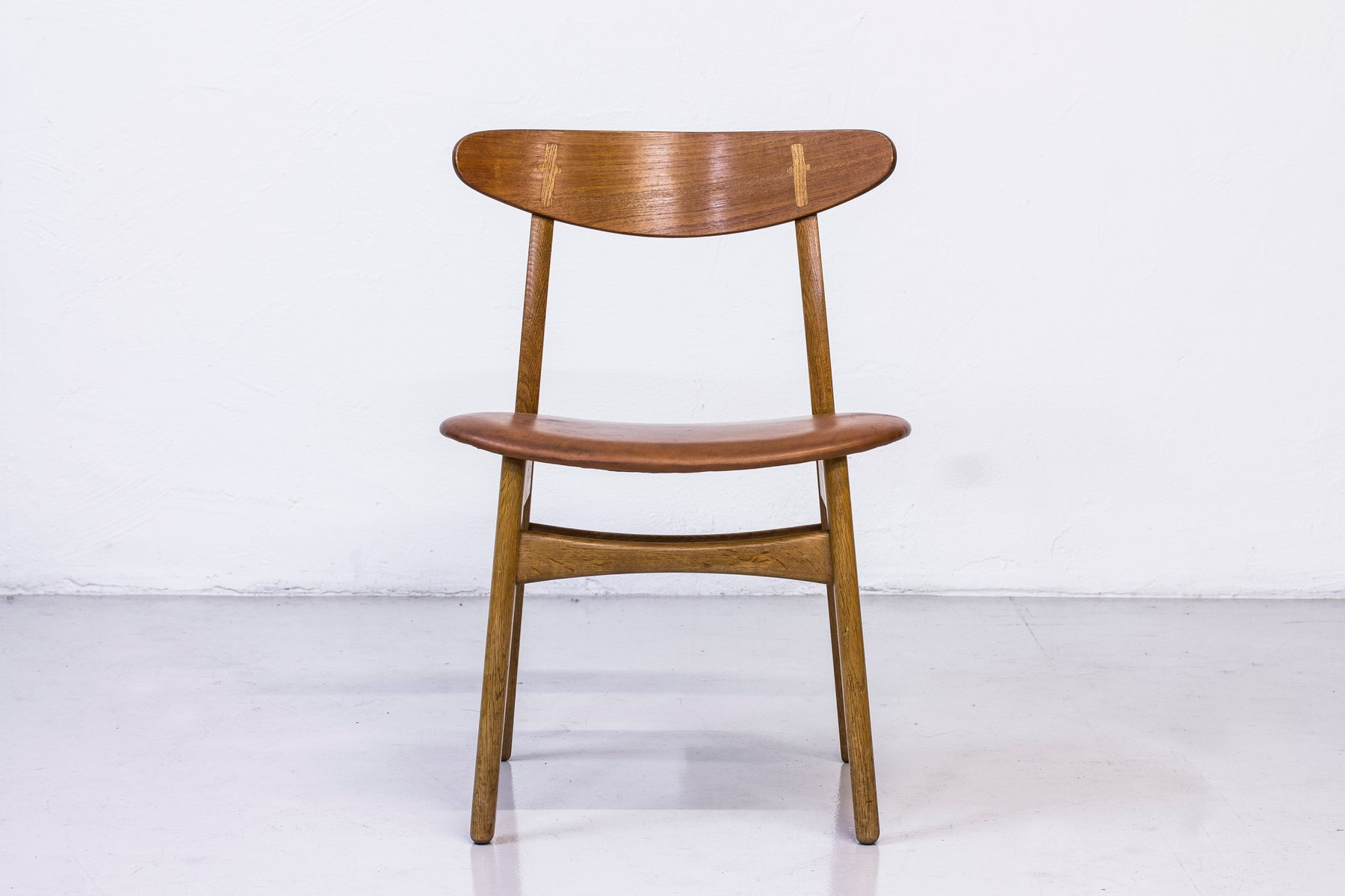 CH 30 Dining Chairs by Hans J Wegner for Carl Hansen & S¸n 1950s