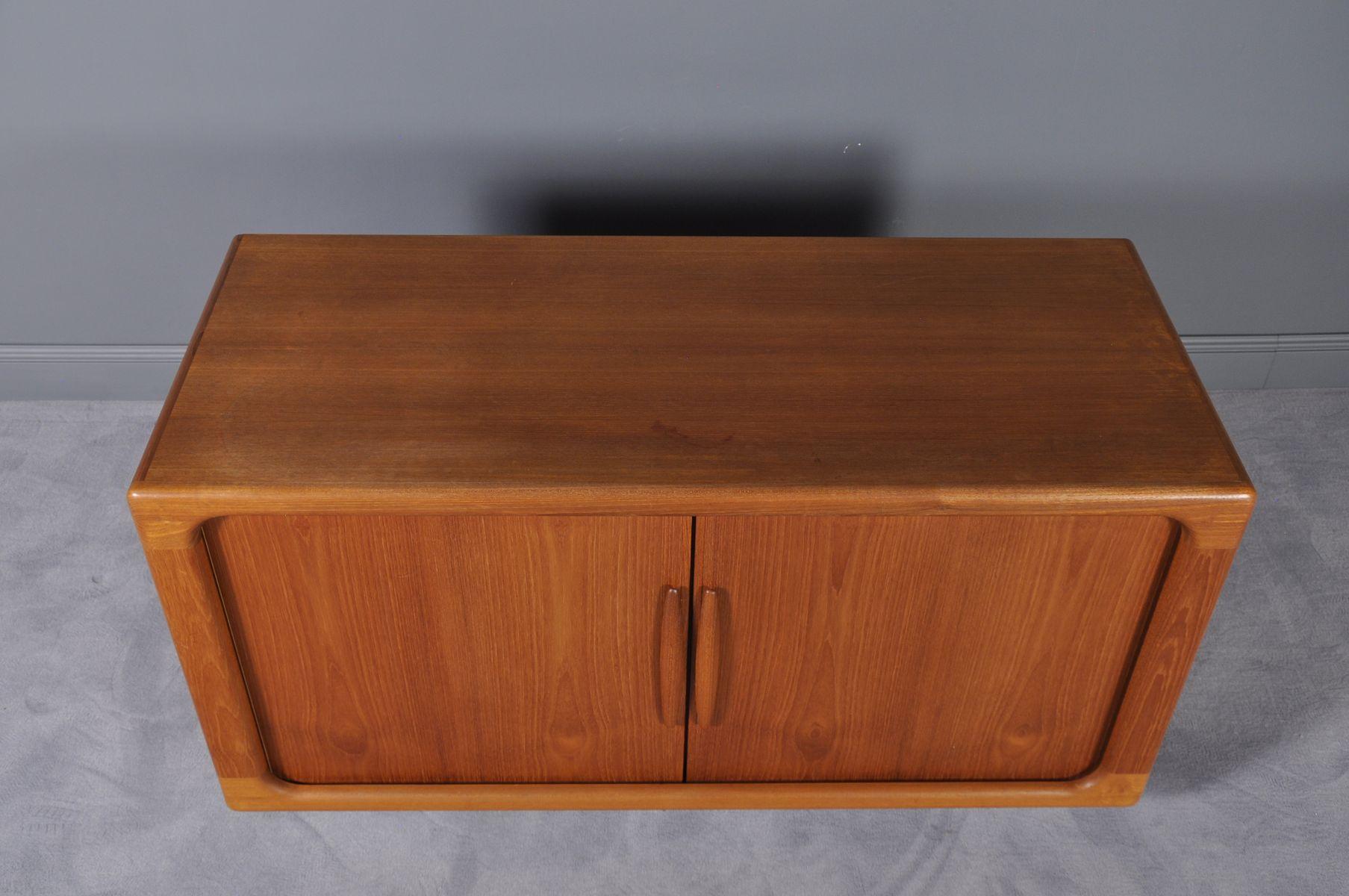 sideboard mit schiebet ren von dyrlund 1960er bei pamono kaufen. Black Bedroom Furniture Sets. Home Design Ideas